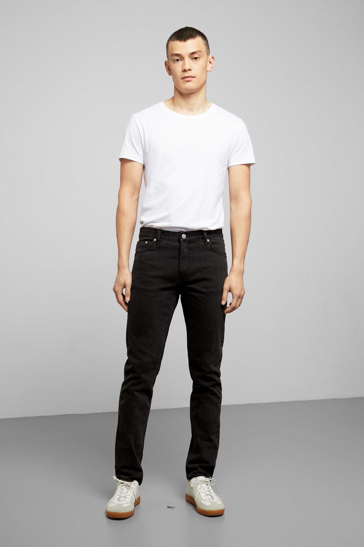 Model front image of Weekday sunday tuned black jeans in black