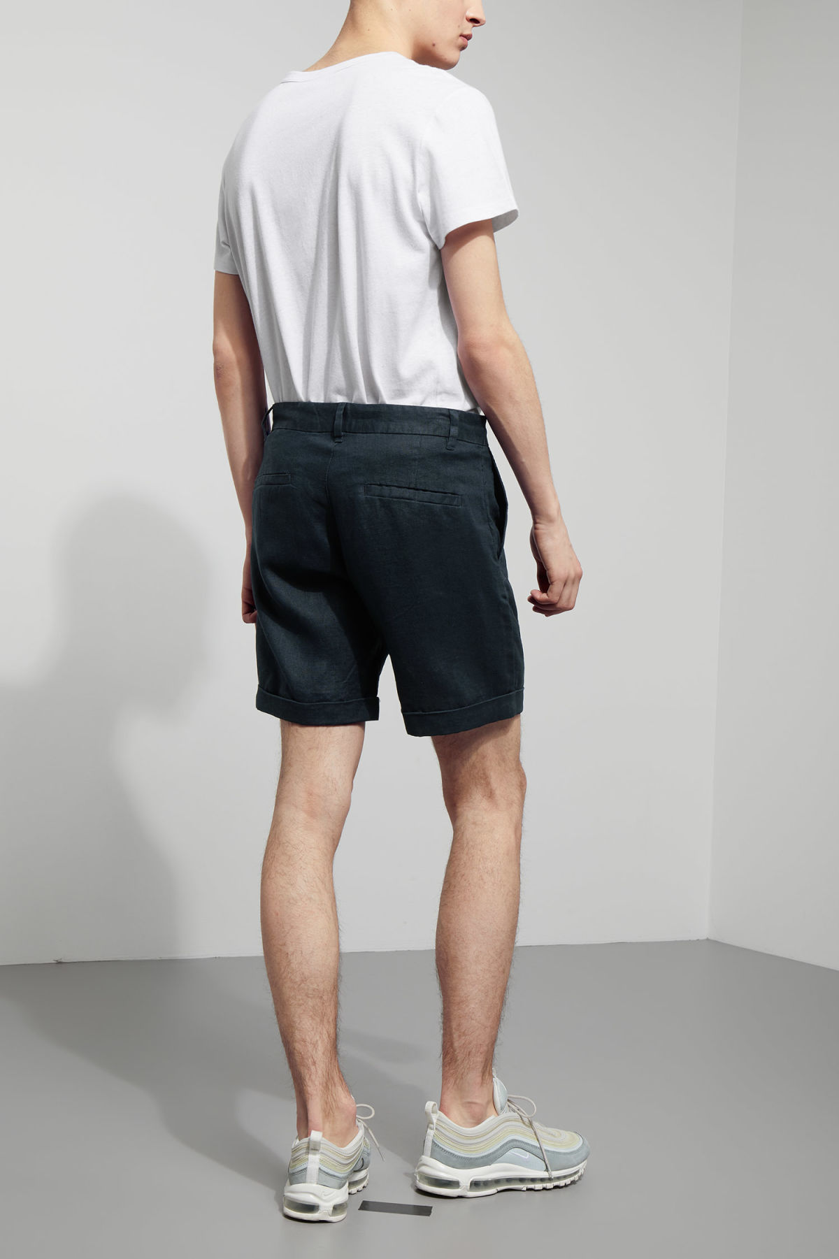 Model back image of Weekday mash shorts in blue