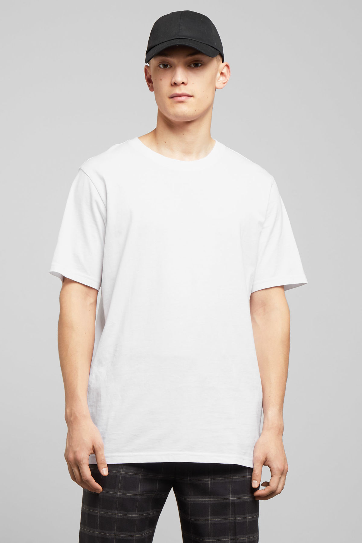 Model front image of Weekday frank t-shirt in white