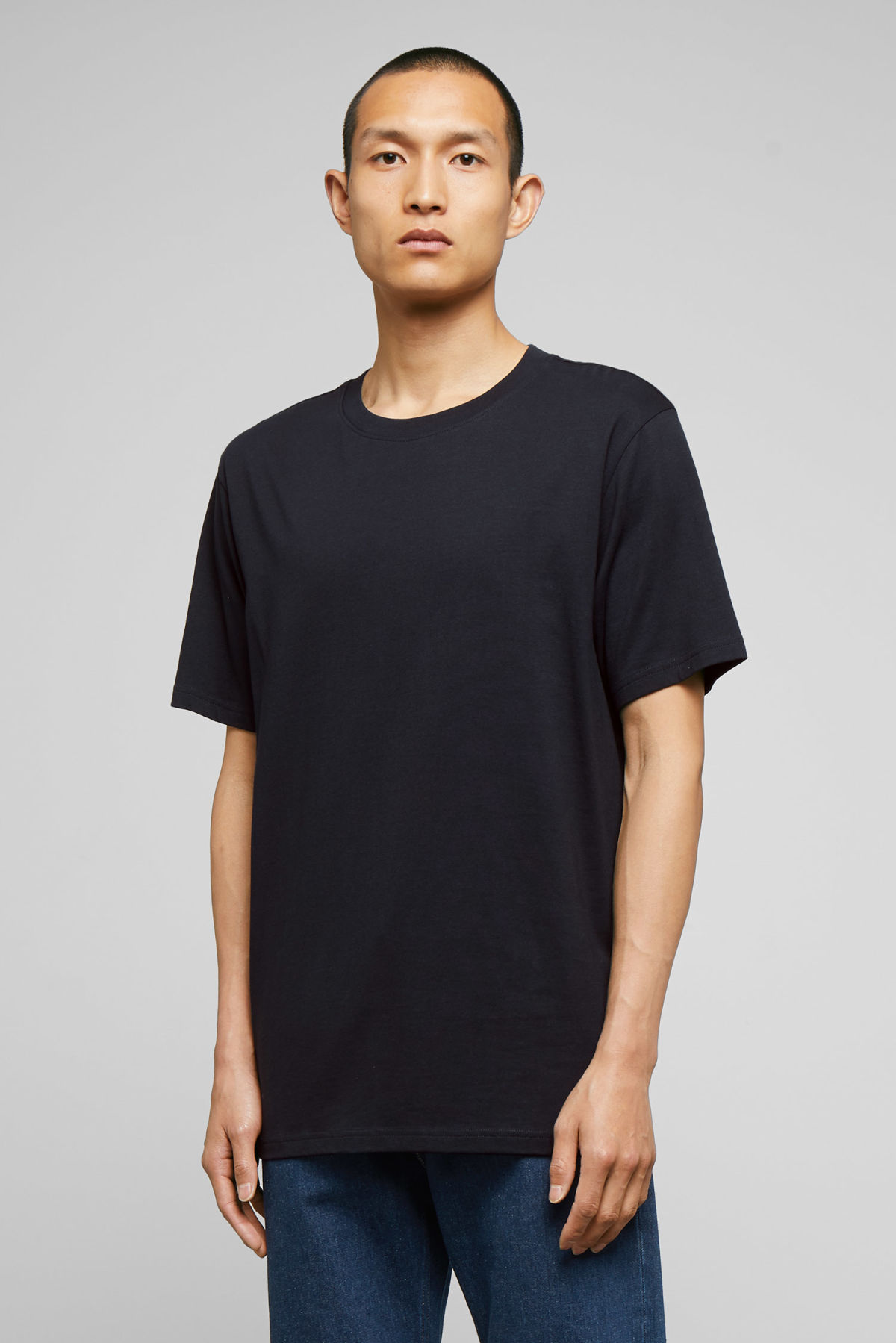 Model front image of Weekday frank t-shirt in blue