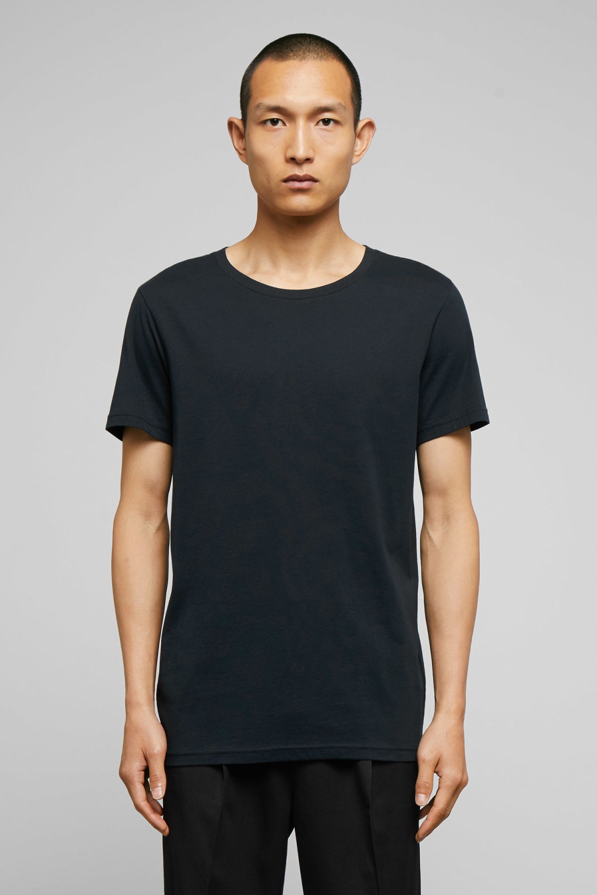Model front image of Weekday alex t-shirt in blue