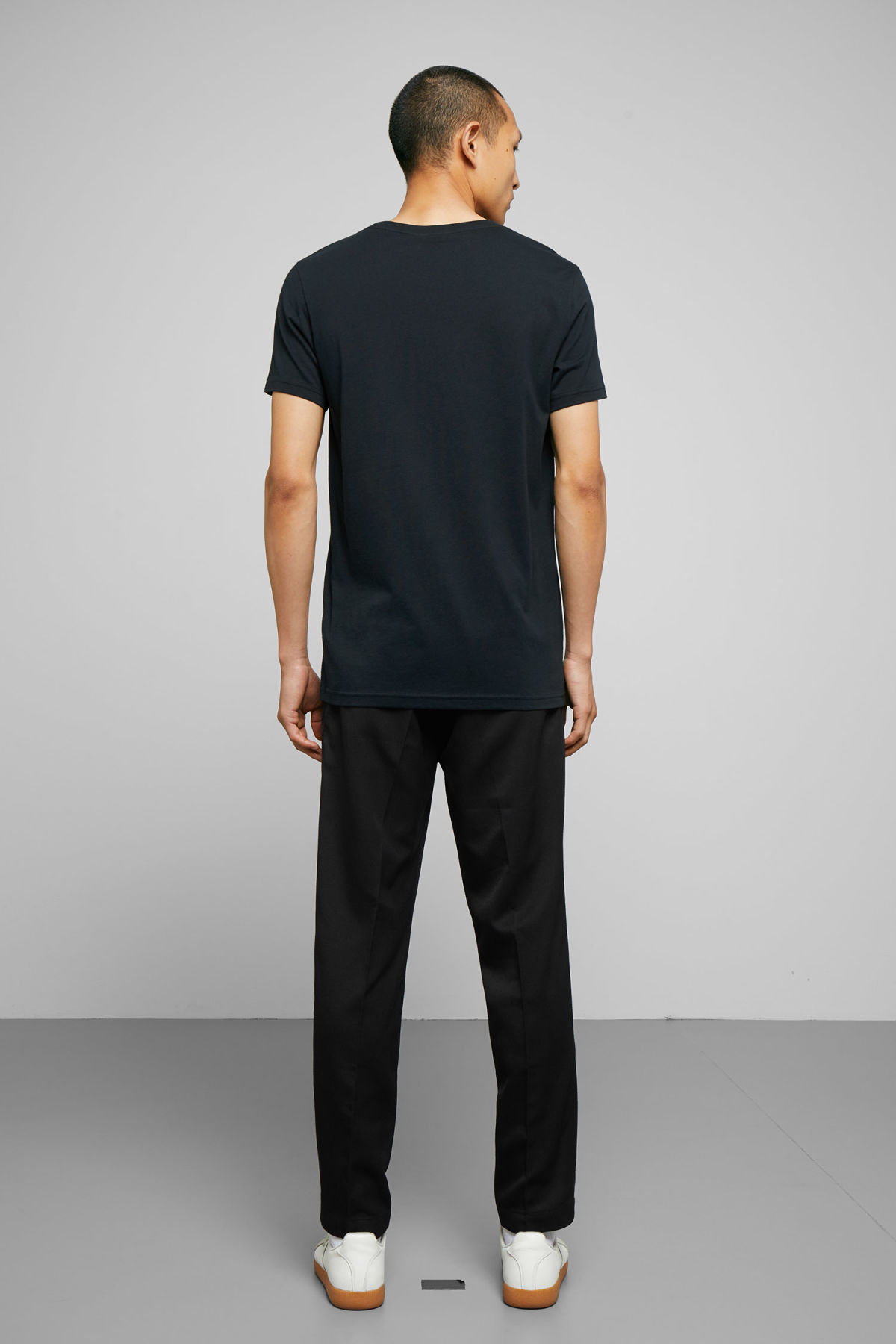 Model back image of Weekday alex t-shirt in blue
