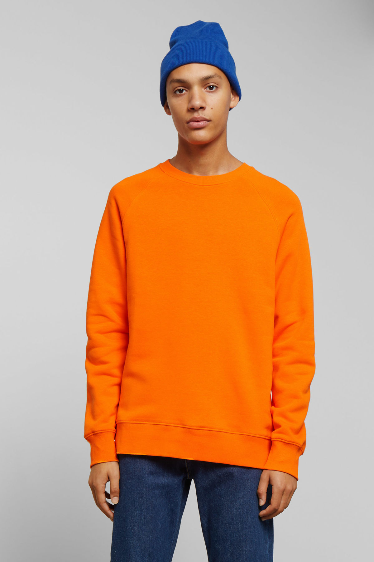Model front image of Weekday paris sweatshirt in orange