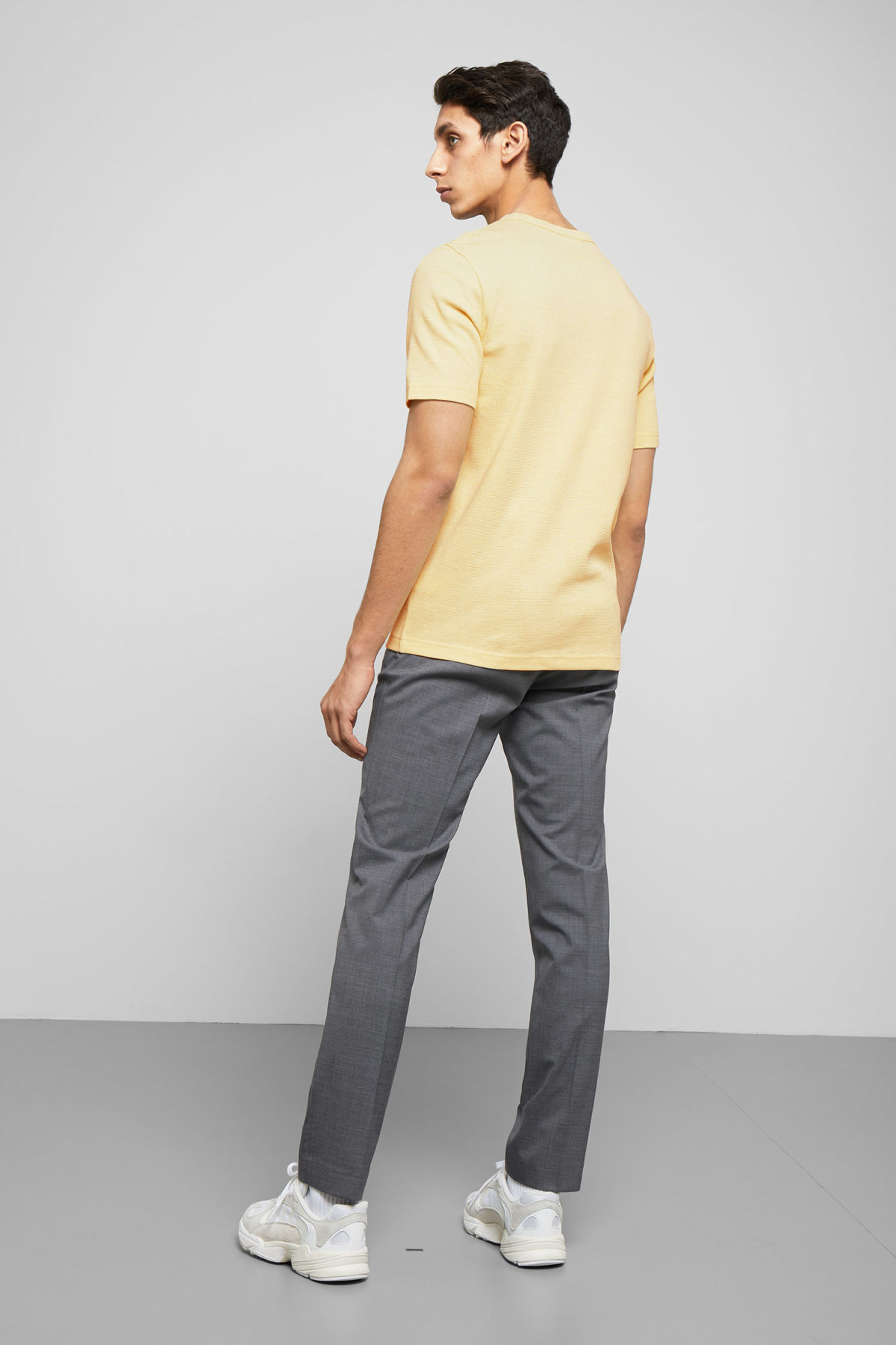 Model back image of Weekday grinko t-shirt in yellow