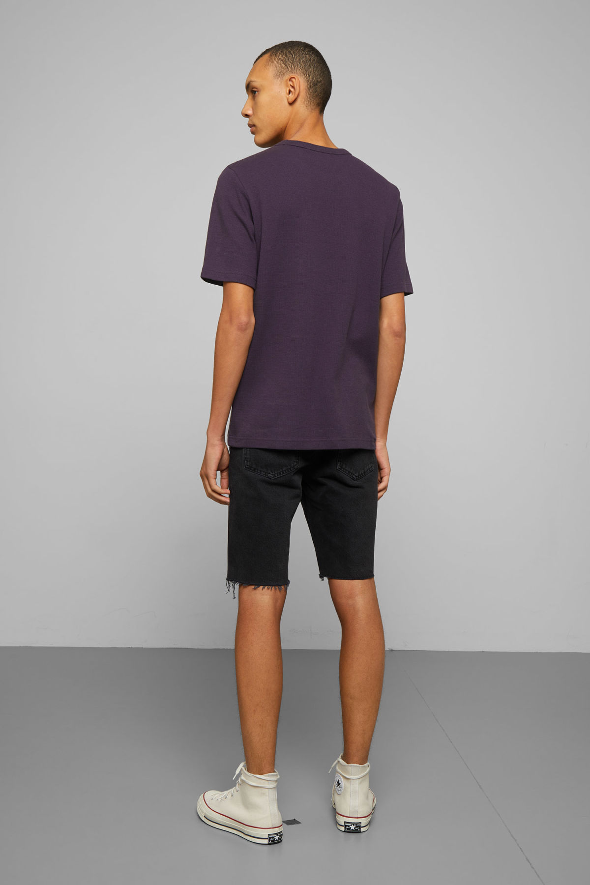 Model back image of Weekday grinko t-shirt in purple