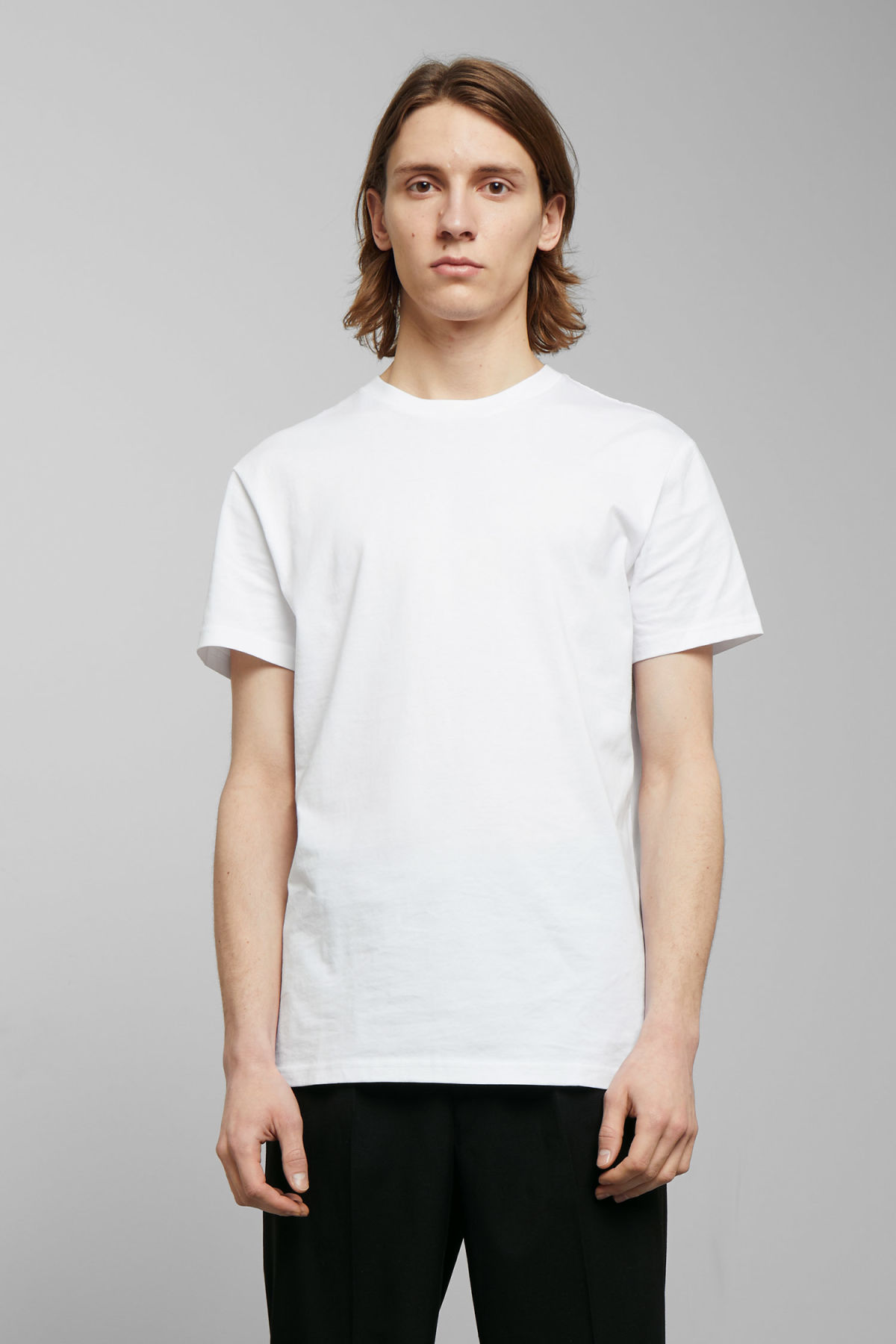 Model front image of Weekday alan t-shirt in white