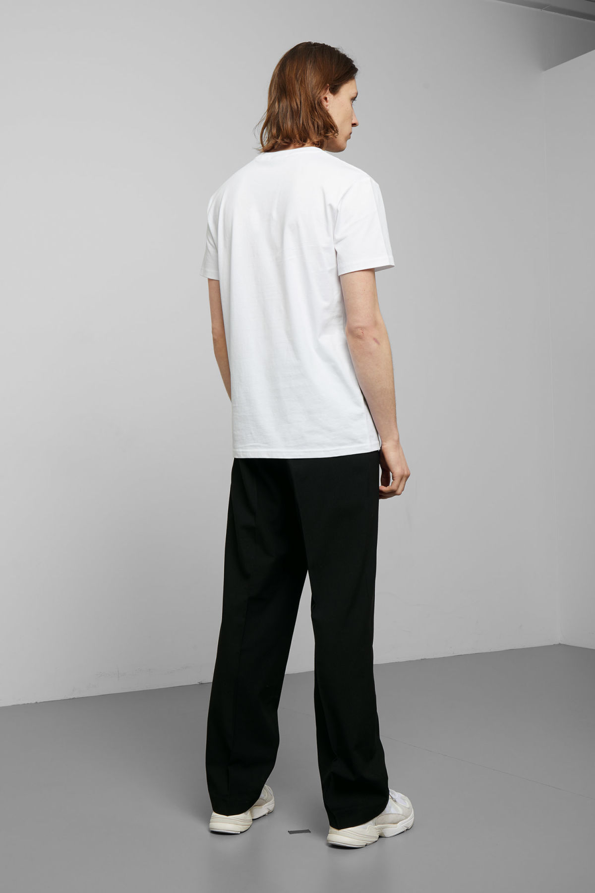 Model back image of Weekday alan t-shirt in white