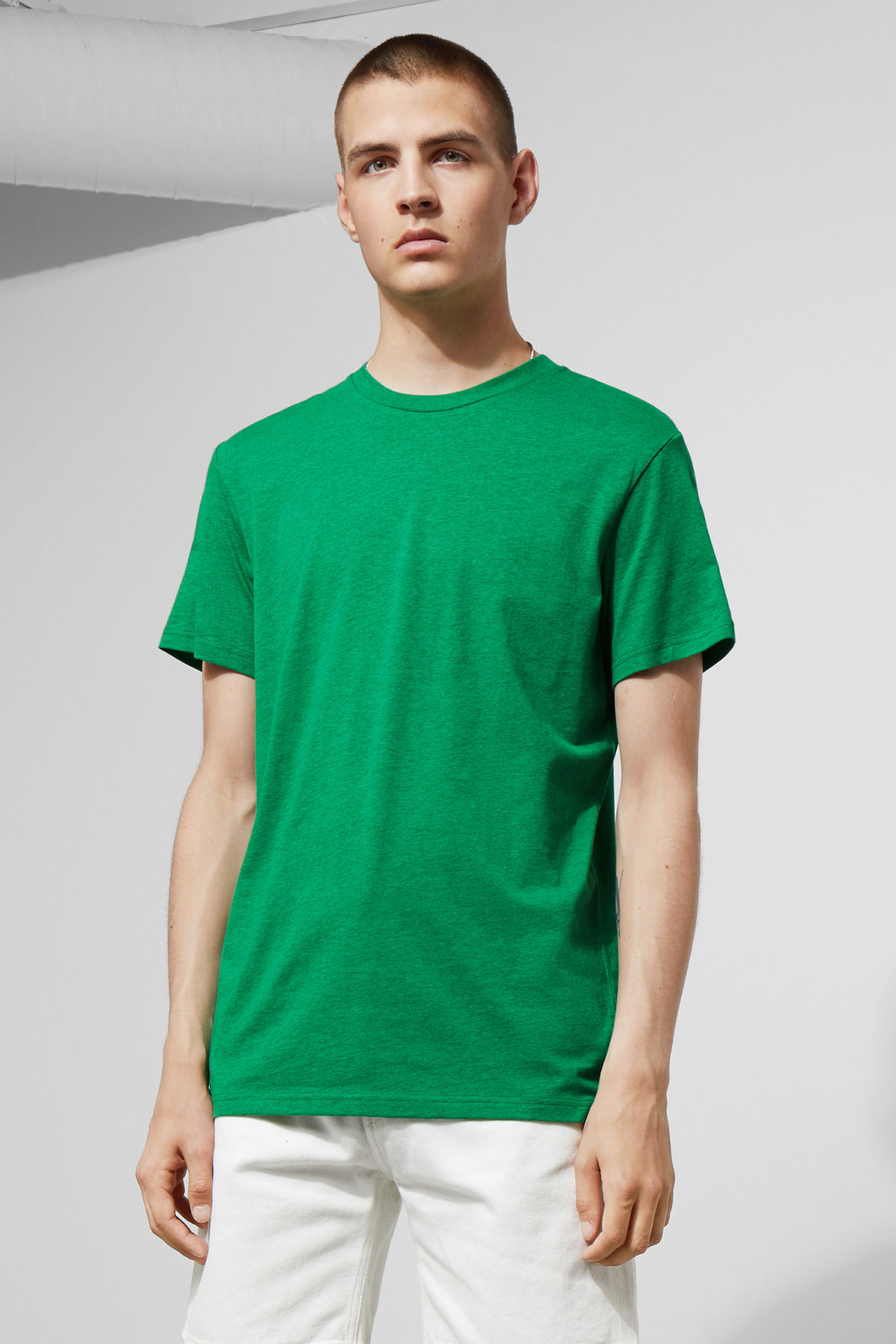 Model front image of Weekday alan t-shirt in green