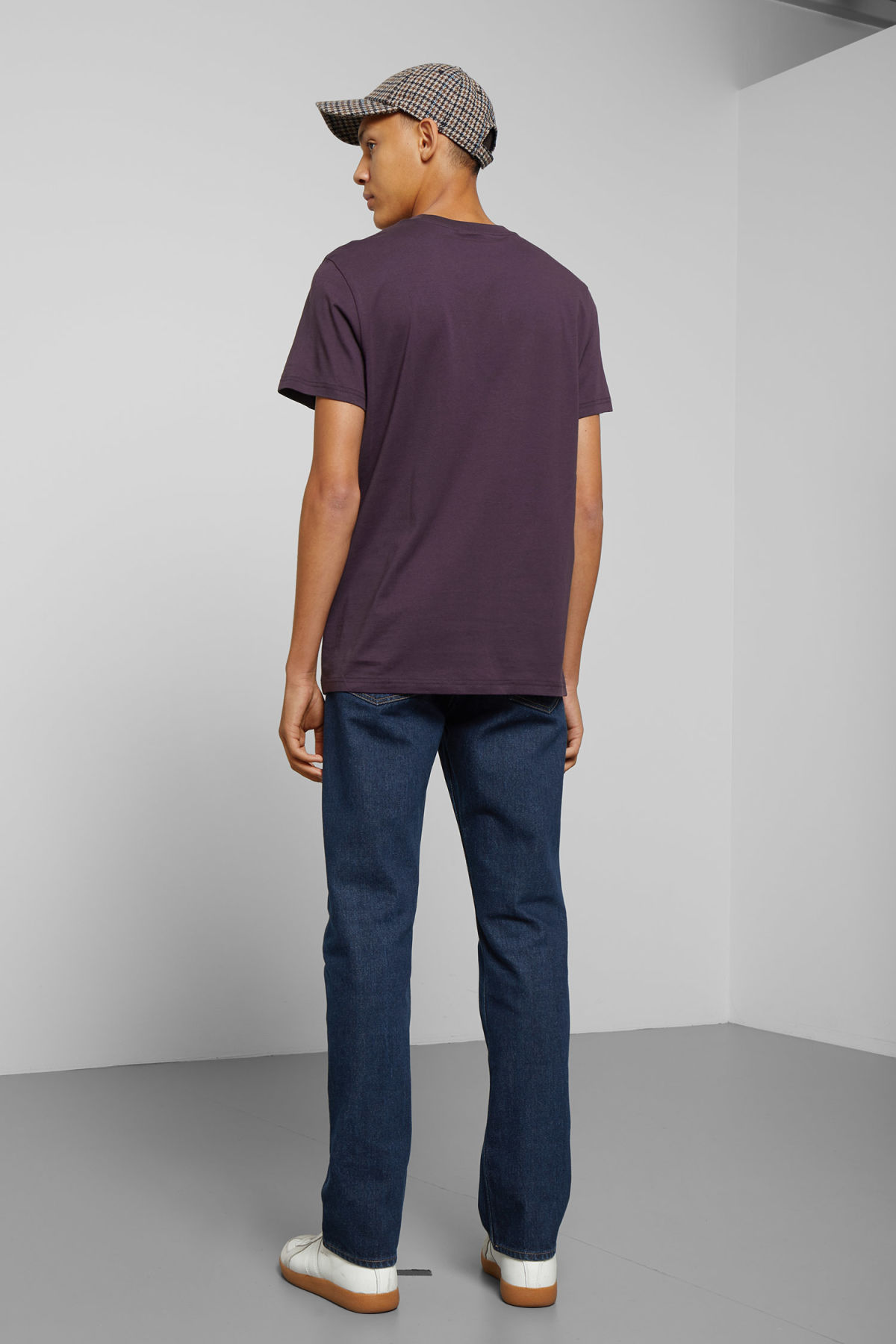 Model back image of Weekday alan t-shirt in purple