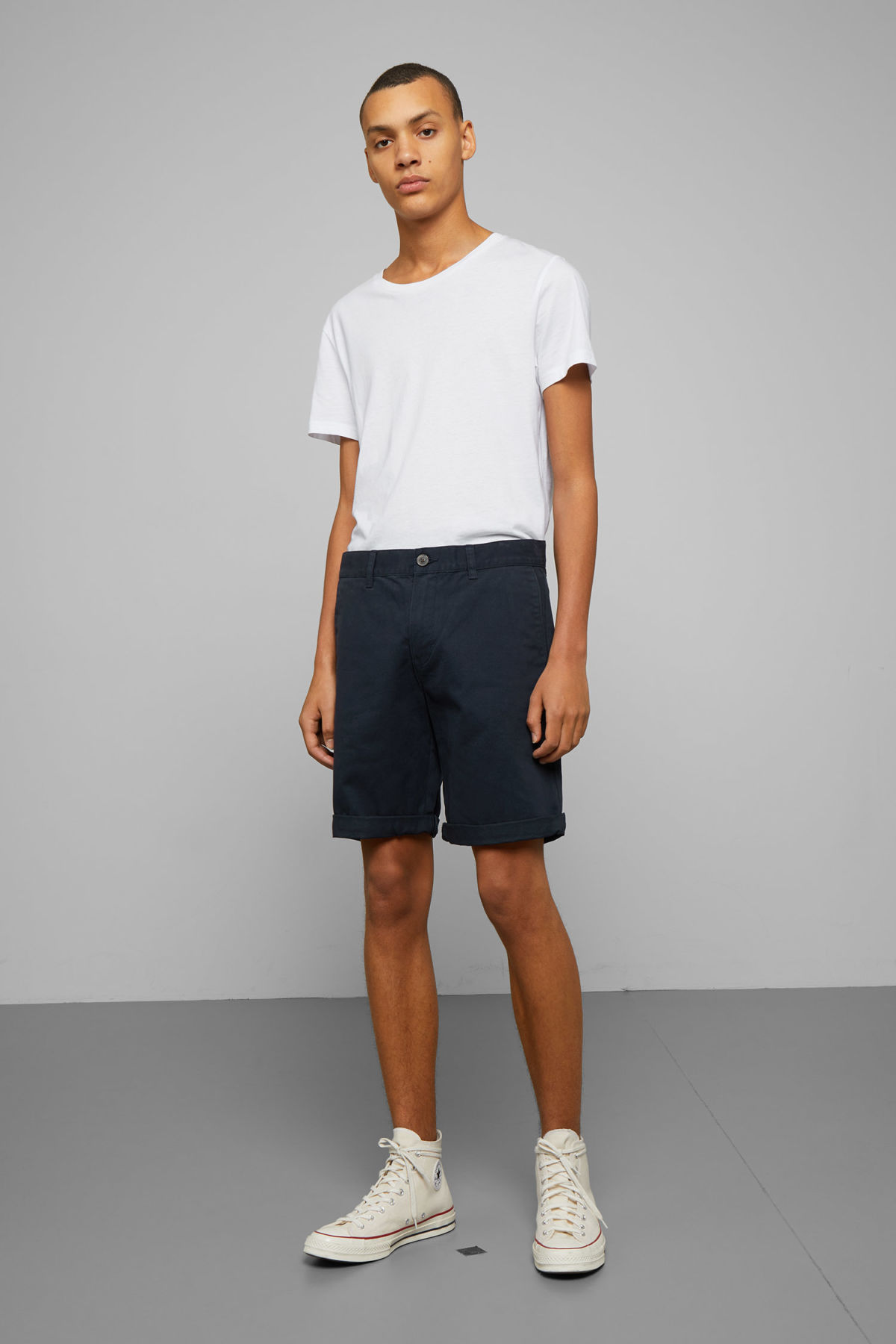 Model front image of Weekday acid shorts in blue