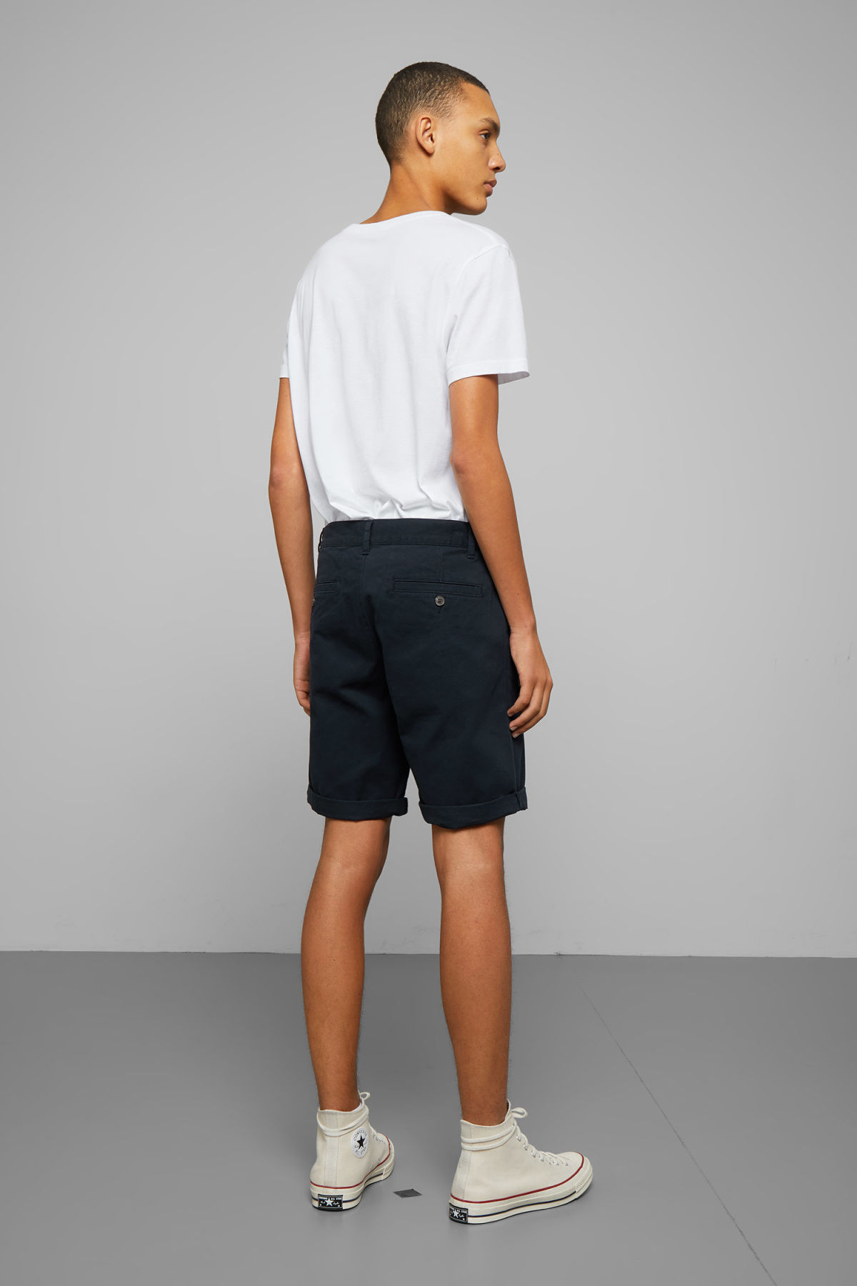 Model back image of Weekday acid shorts in blue