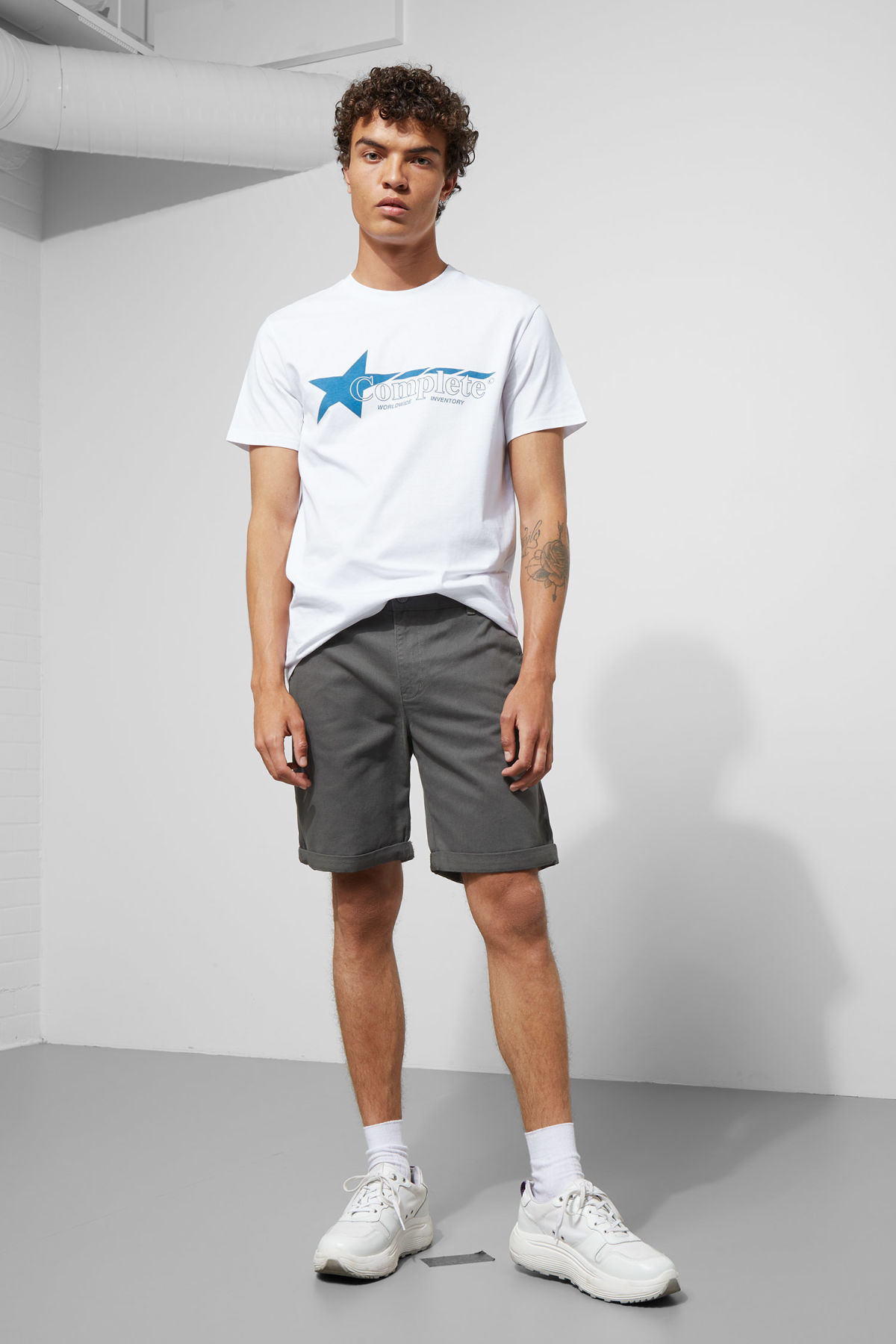 Model front image of Weekday acid shorts in grey