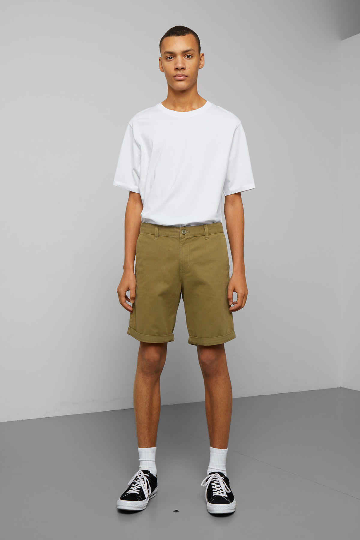 Model front image of Weekday acid shorts in green