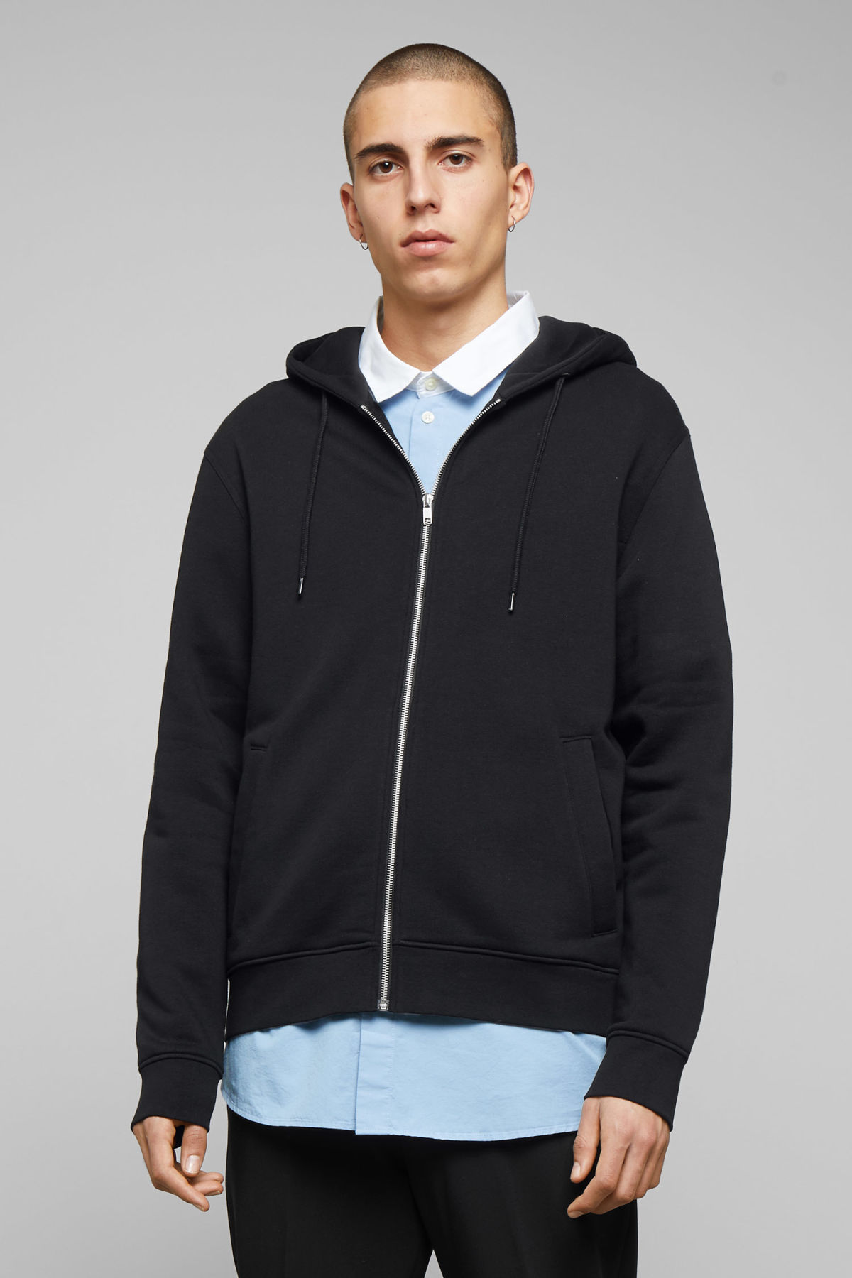 Model front image of Weekday boom zipped hoodie in black
