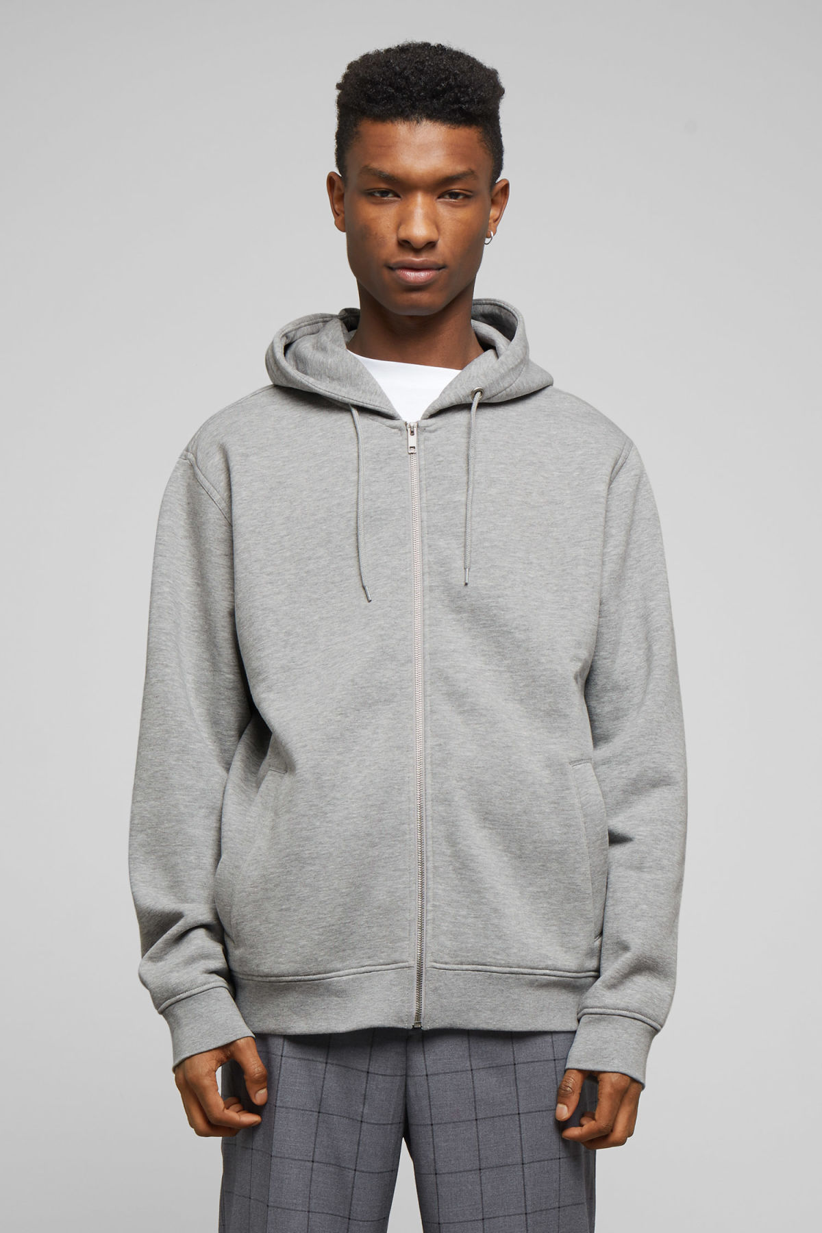 Model front image of Weekday boom zipped hoodie in grey