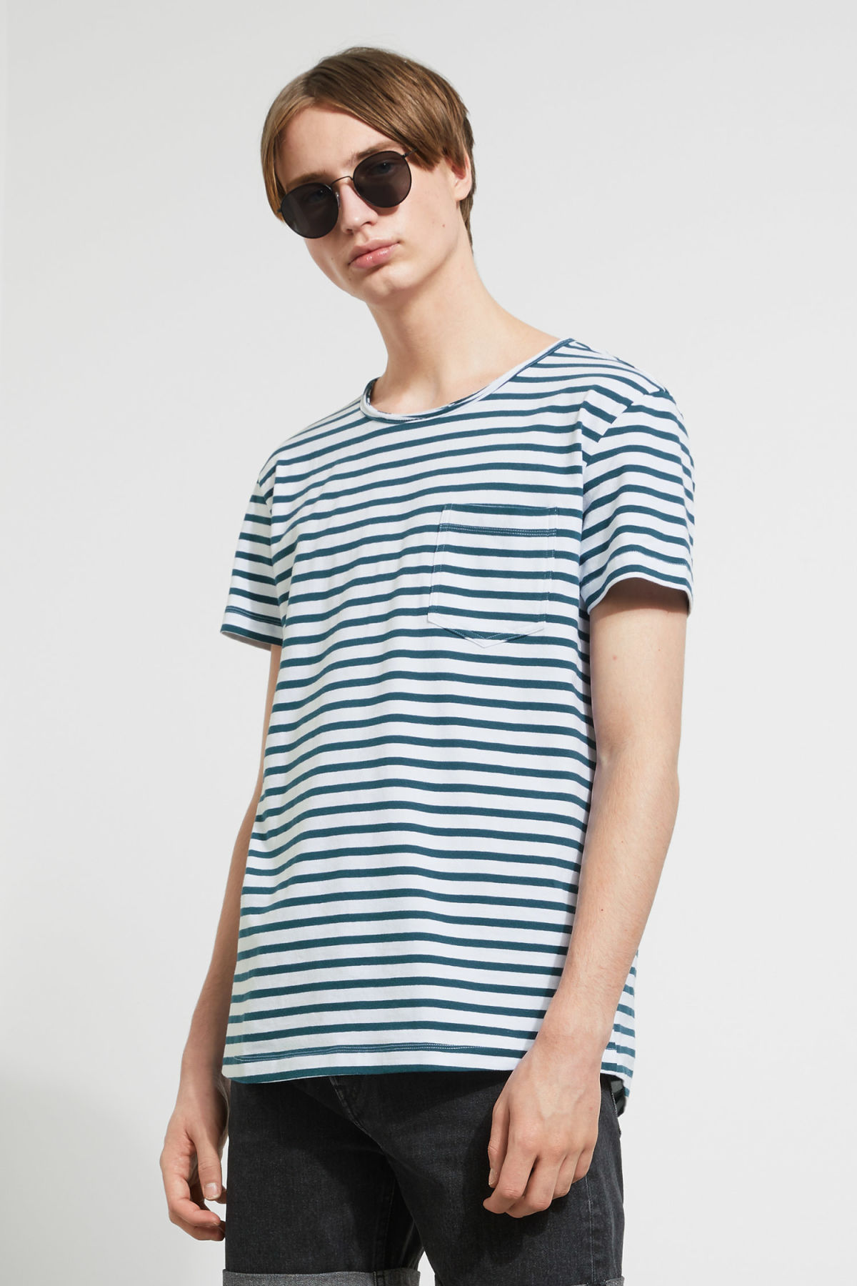 Model front image of Weekday rumour striped t-shirt in blue