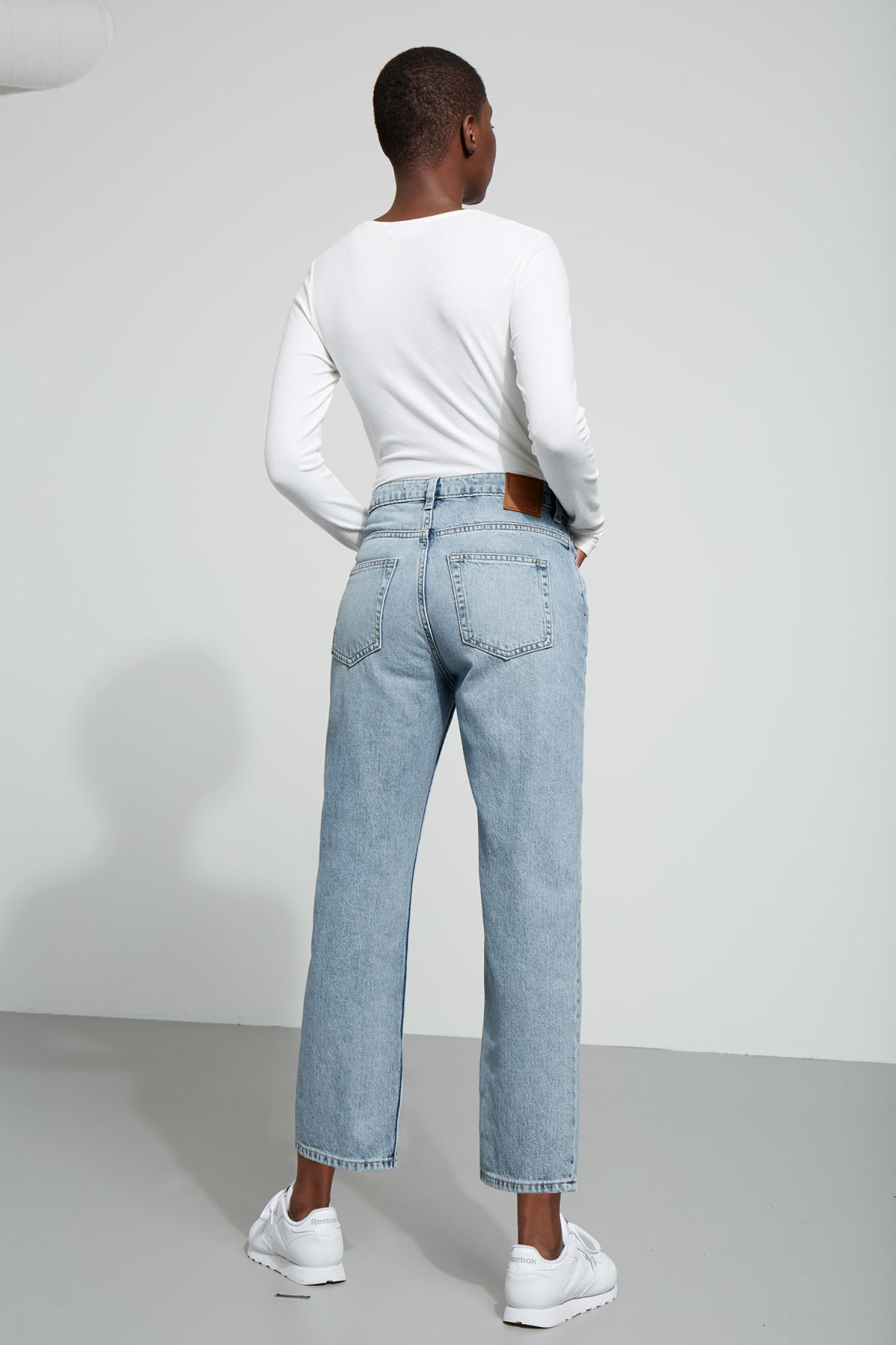 Model side image of Weekday voyage wow blue jeans in blue