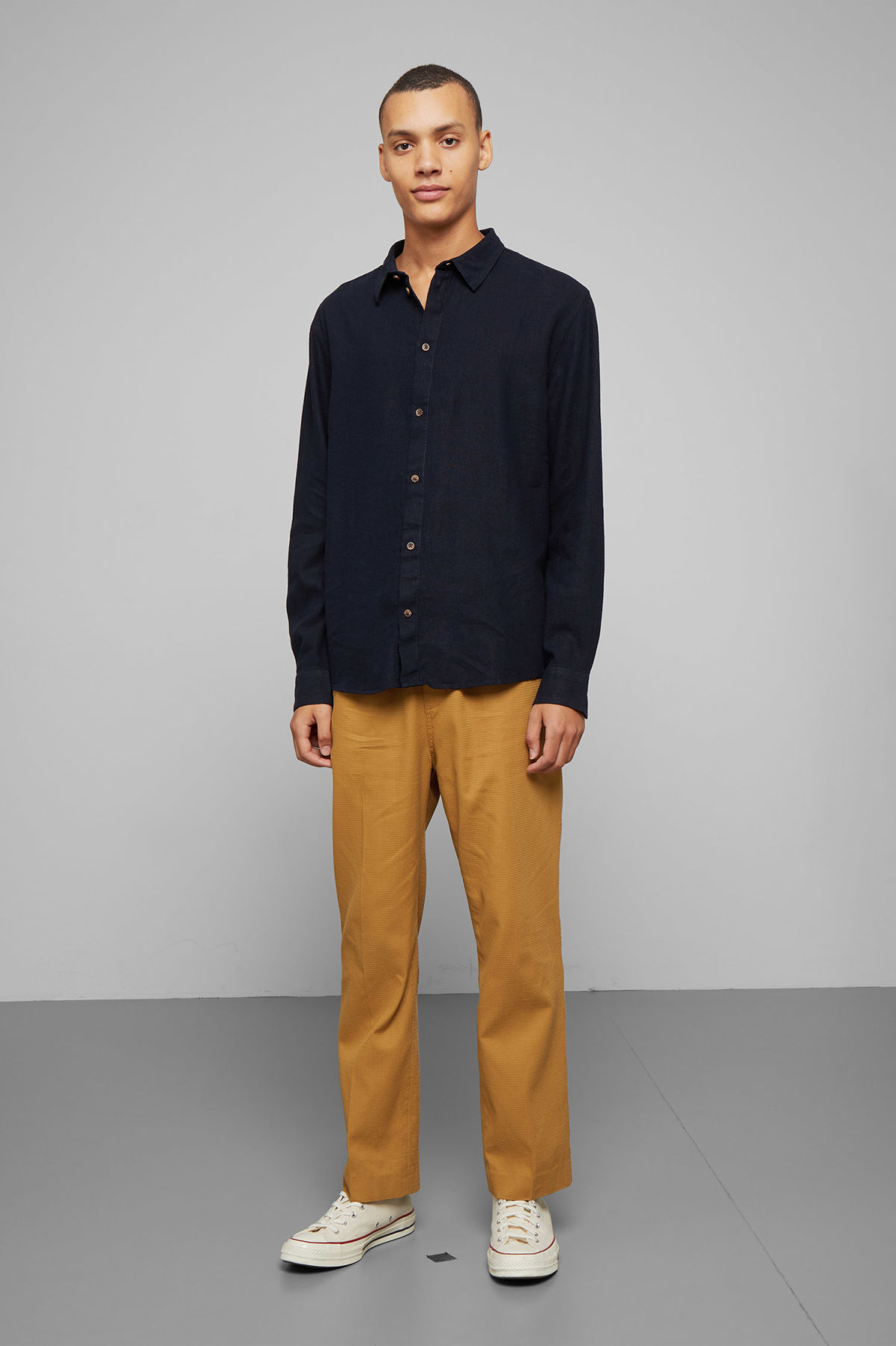 Model side image of Weekday lead linen shirt in blue