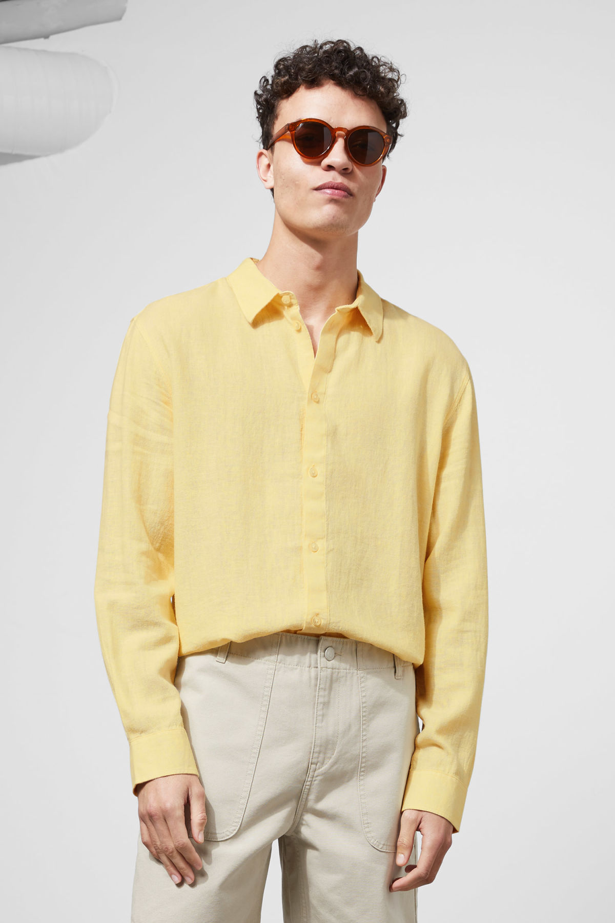 Model front image of Weekday lead linen shirt in yellow