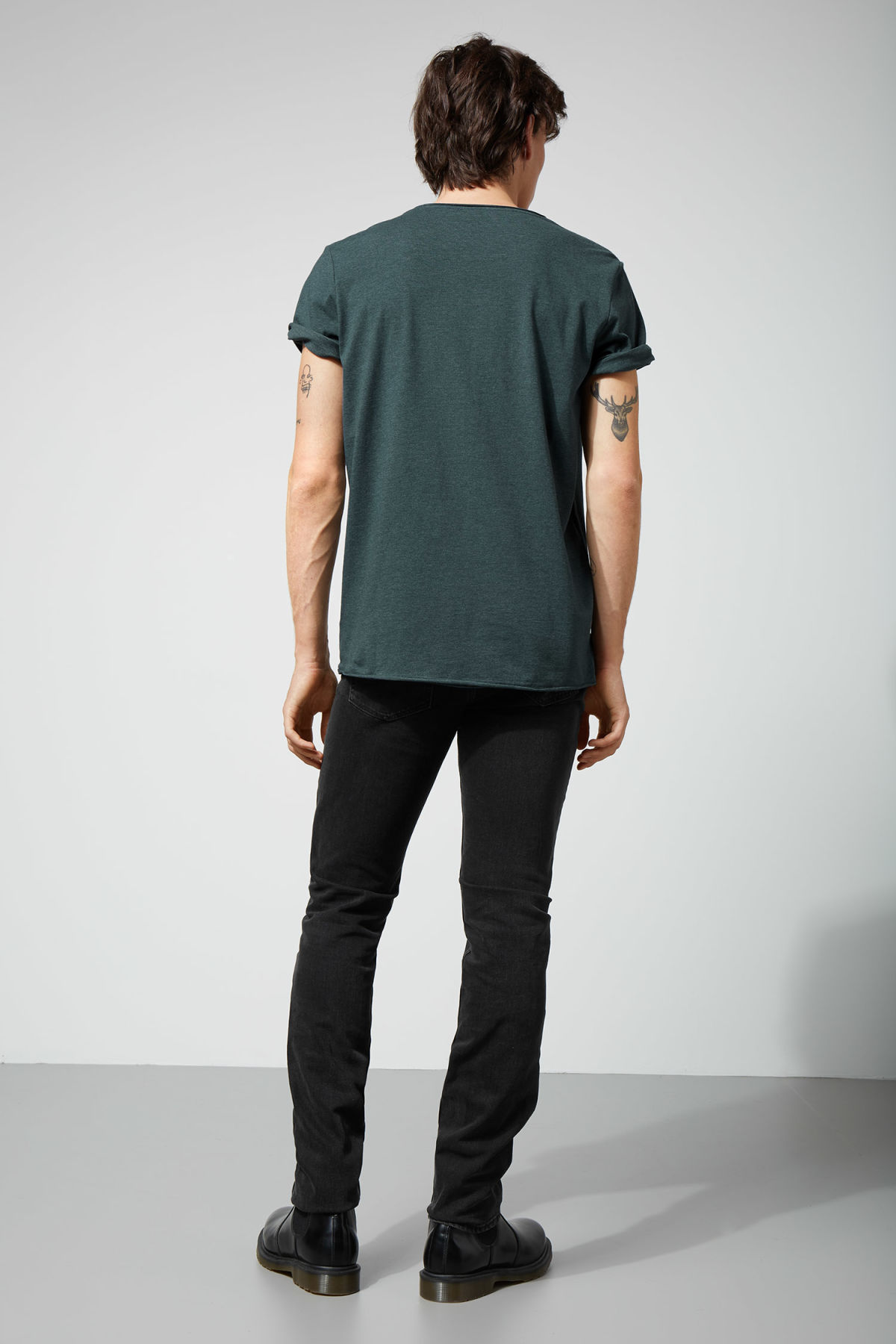 Model back image of Weekday dark t-shirt in turquoise