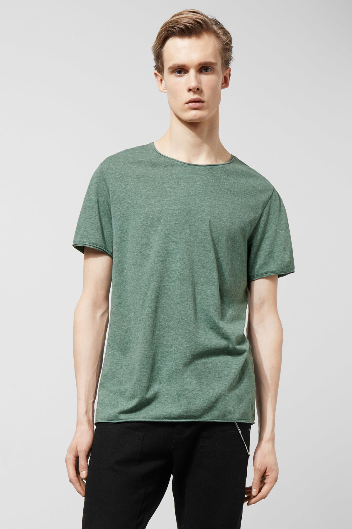 Model front image of Weekday dark t-shirt in turquoise
