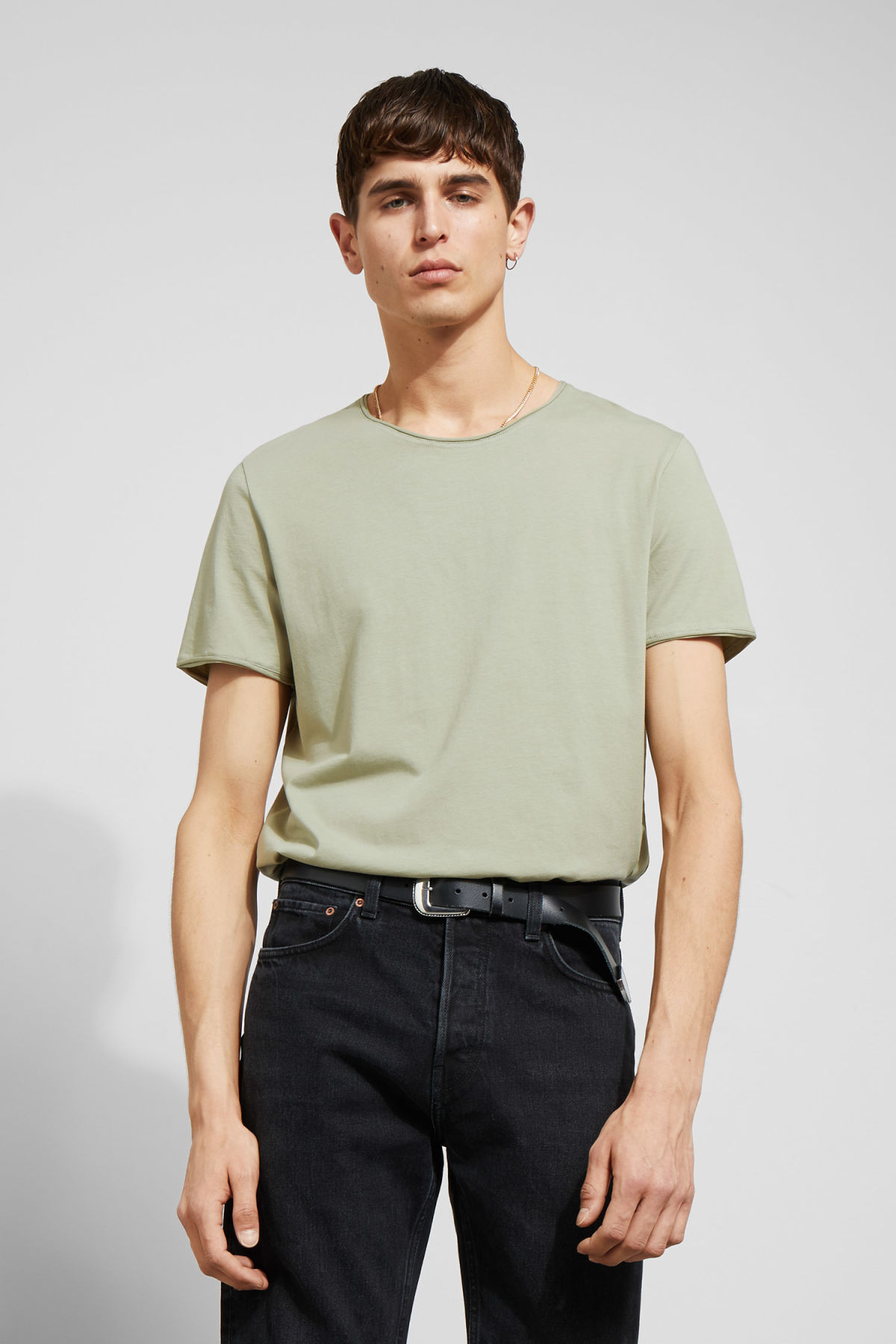 Model front image of Weekday dark t-shirt in green