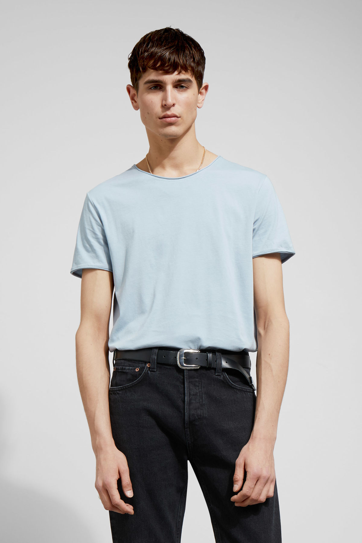 Model front image of Weekday dark t-shirt in blue