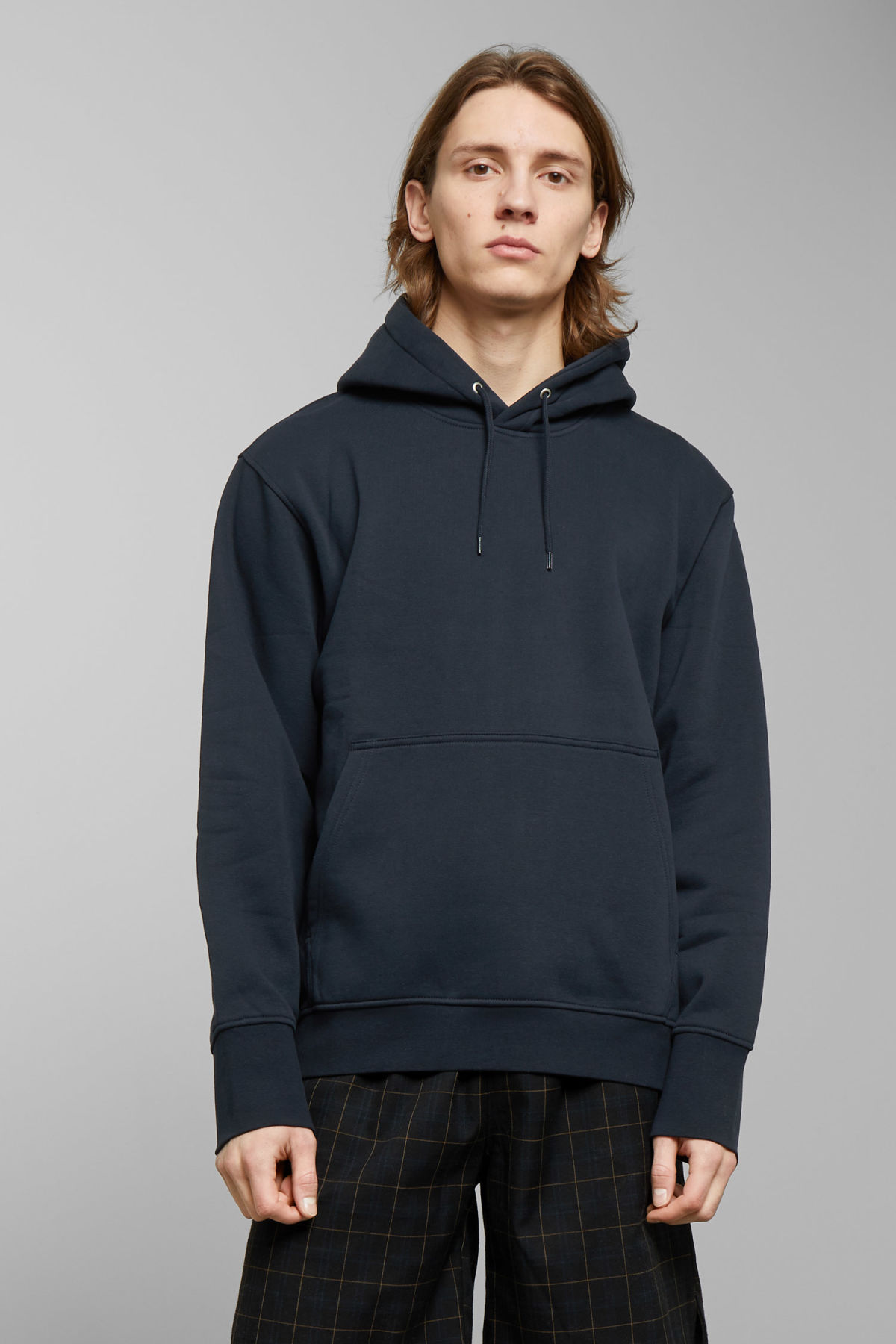 Model front image of Weekday hawk hoodie in blue