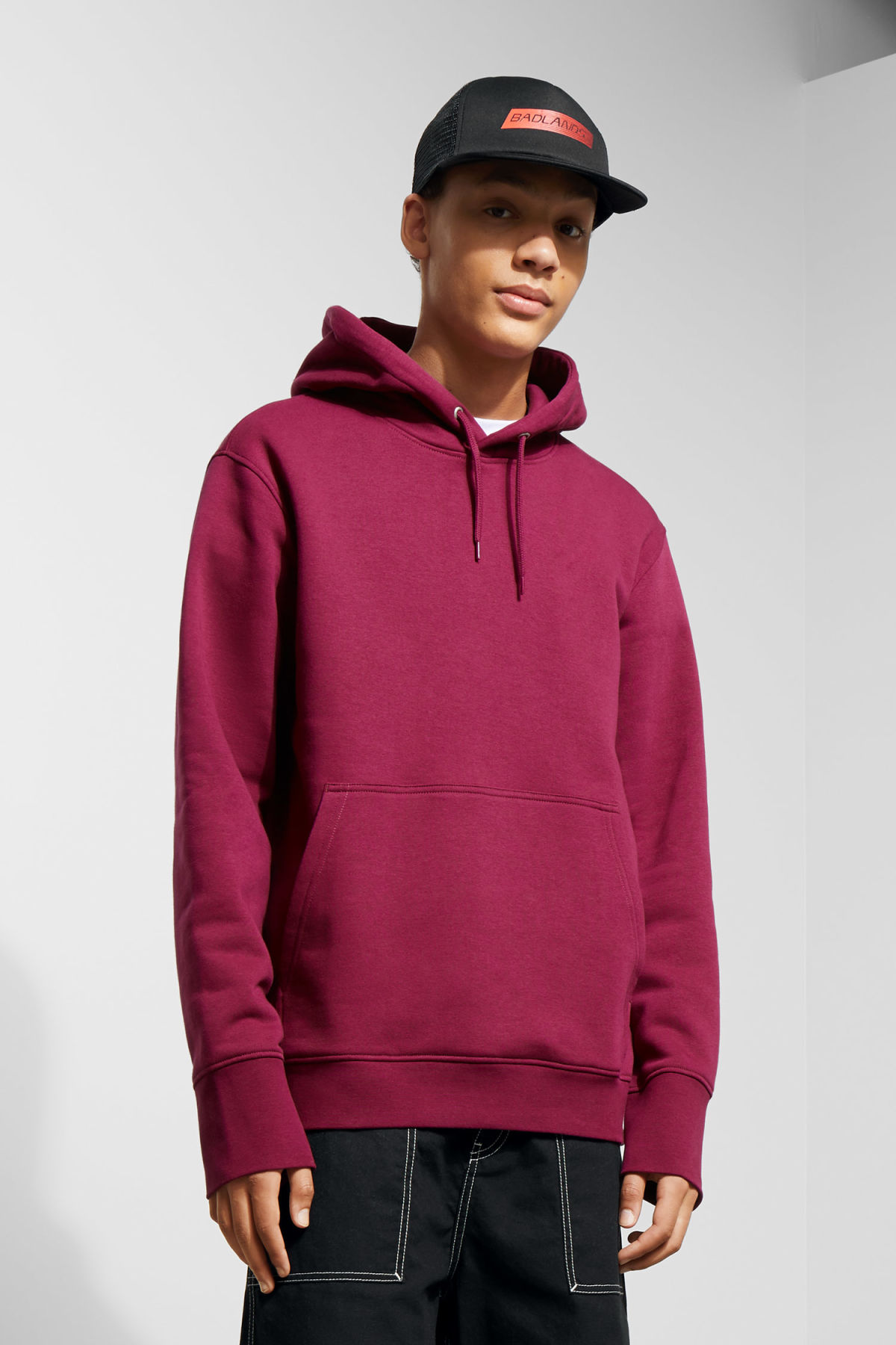 Model front image of Weekday hawk hoodie in pink
