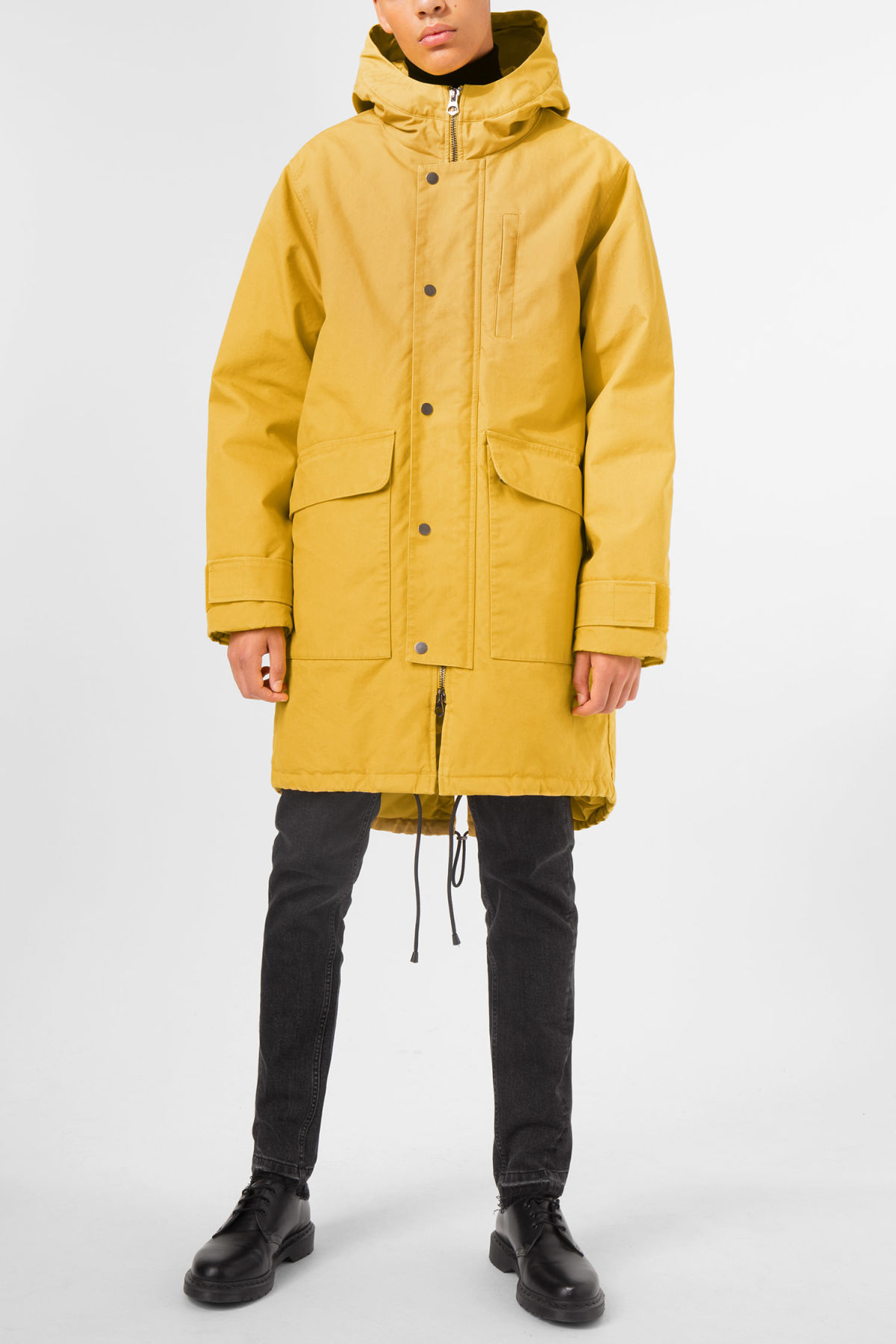 Model front image of Weekday hepp parka in yellow