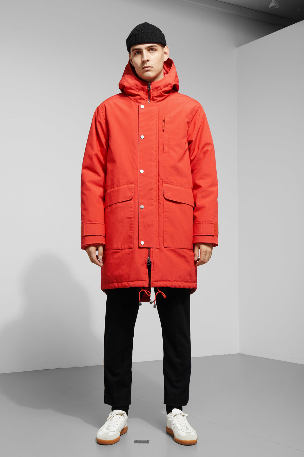 Model back image of Weekday hepp parka in orange