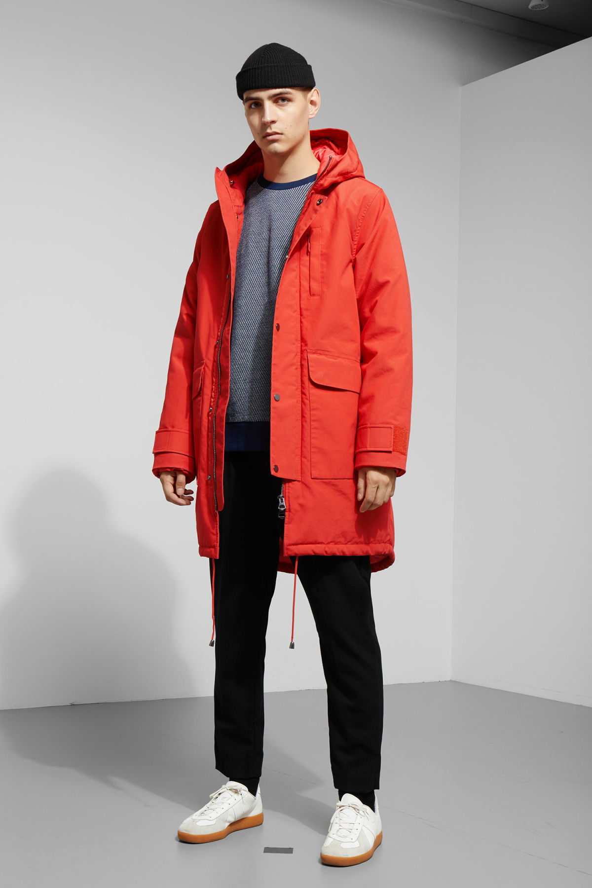 Model side image of Weekday hepp parka in orange