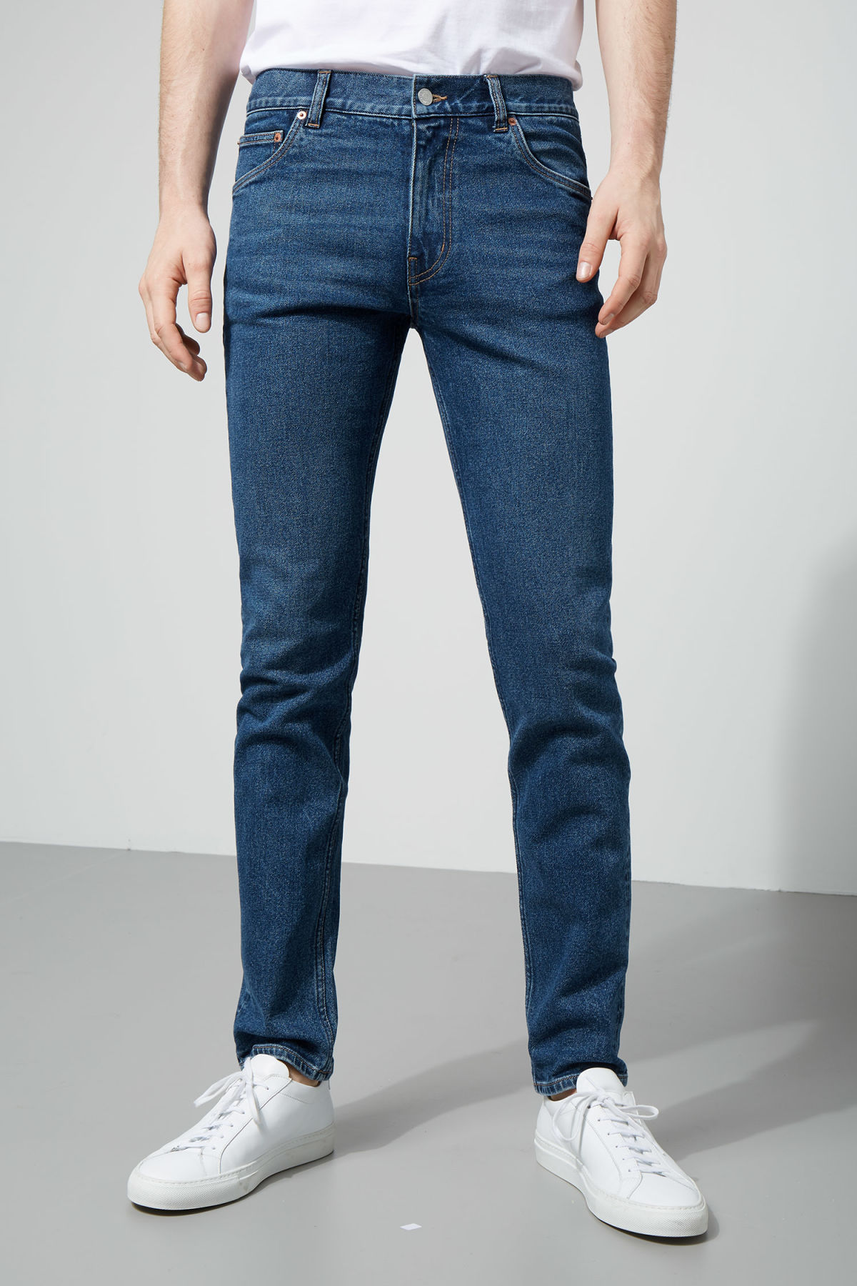 Model front image of Weekday friday peralta blue jeans in blue