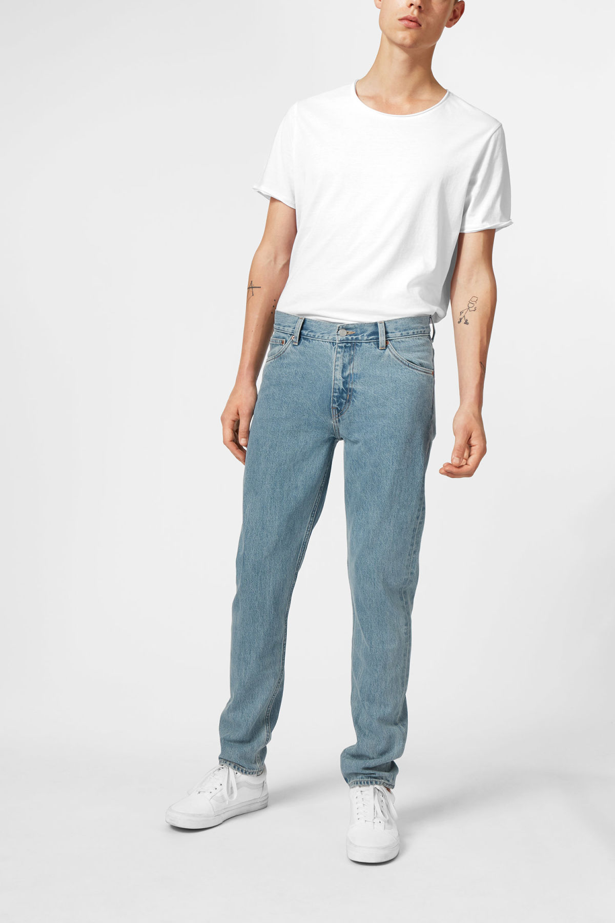Model front image of Weekday sunday blue trevor jeans in blue