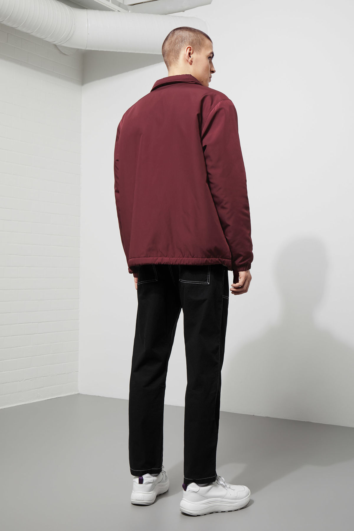 Model back image of Weekday bob coach jacket  in red