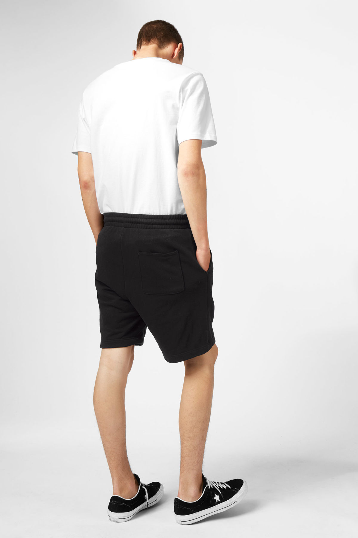 Model back image of Weekday sun shorts in black