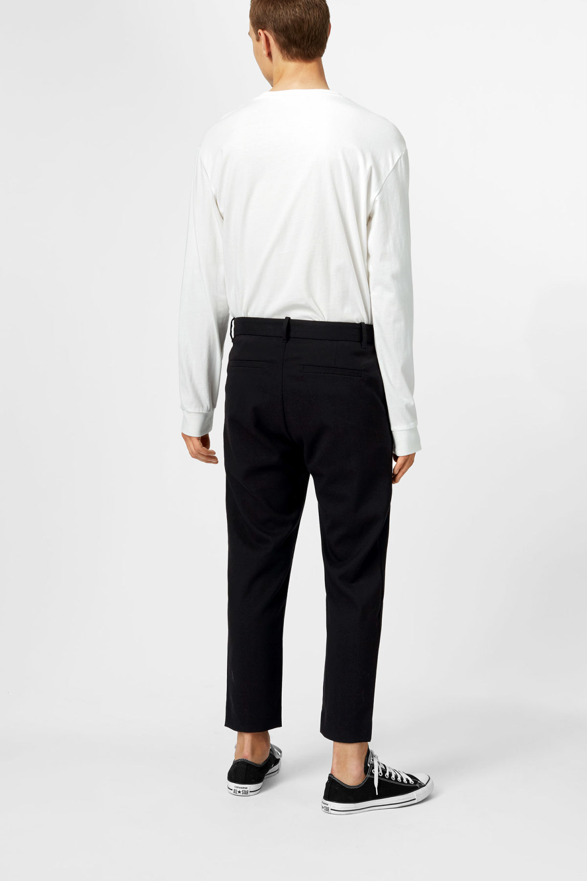 Model back image of Weekday mard crepe trousers in black