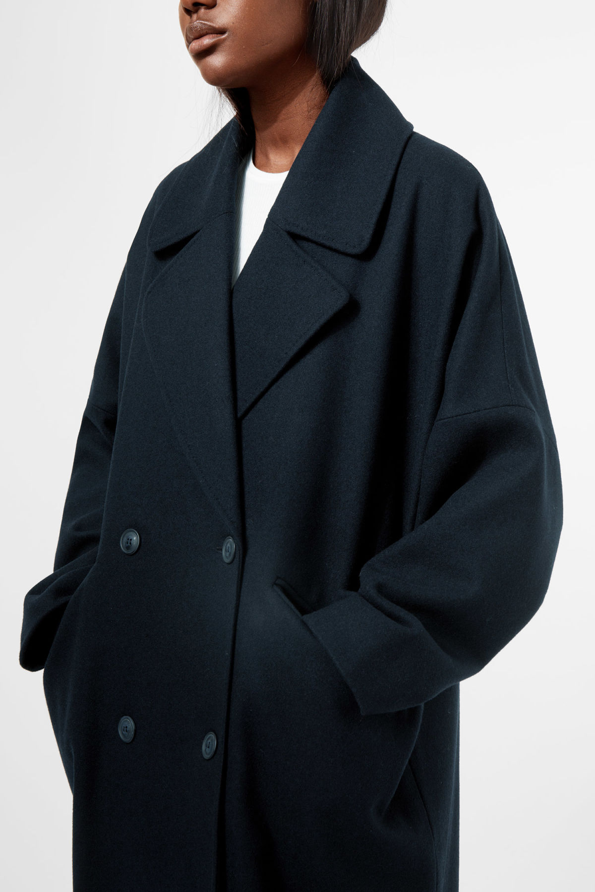 Model side image of Weekday cilla coat in blue