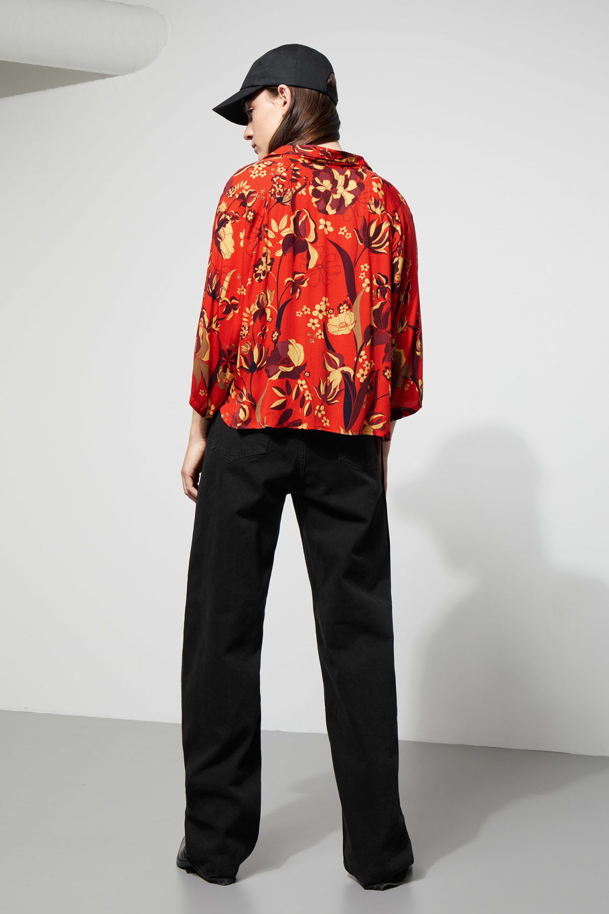 Model side image of Weekday franca blouse in red
