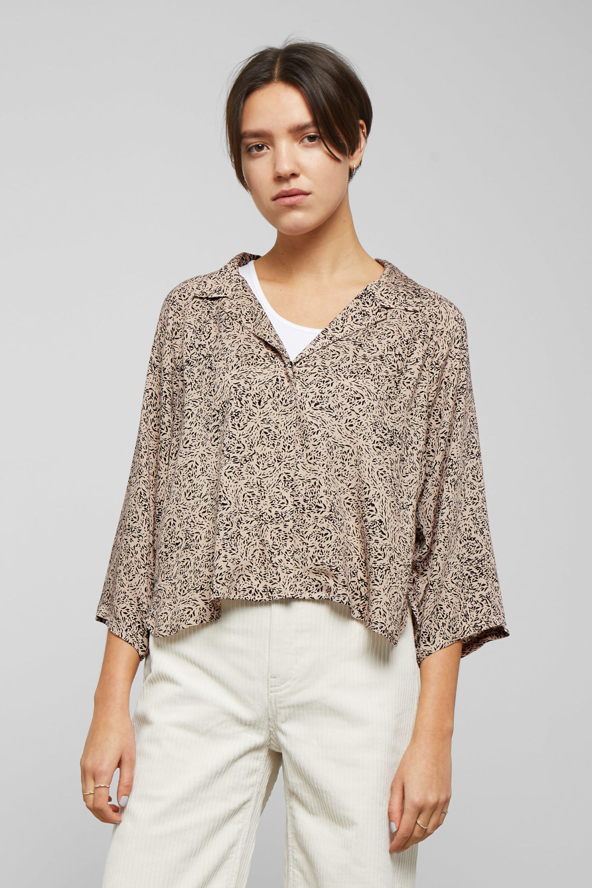Model front image of Weekday franca blouse in beige
