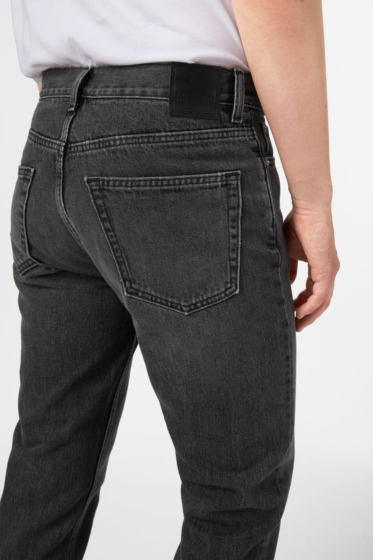 Model front image of Weekday vacant wow black jeans in black