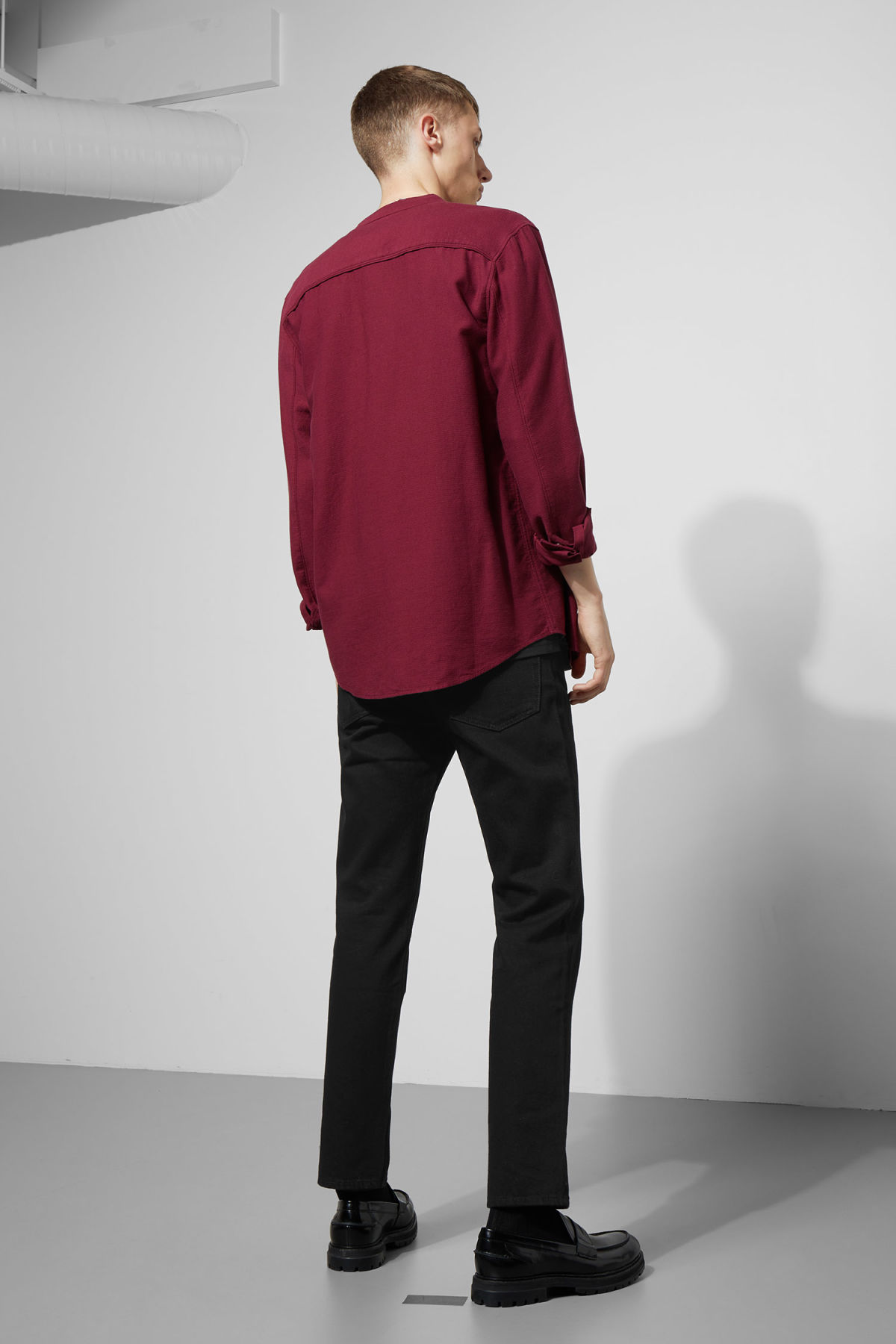 Model side image of Weekday hunt shirt in red