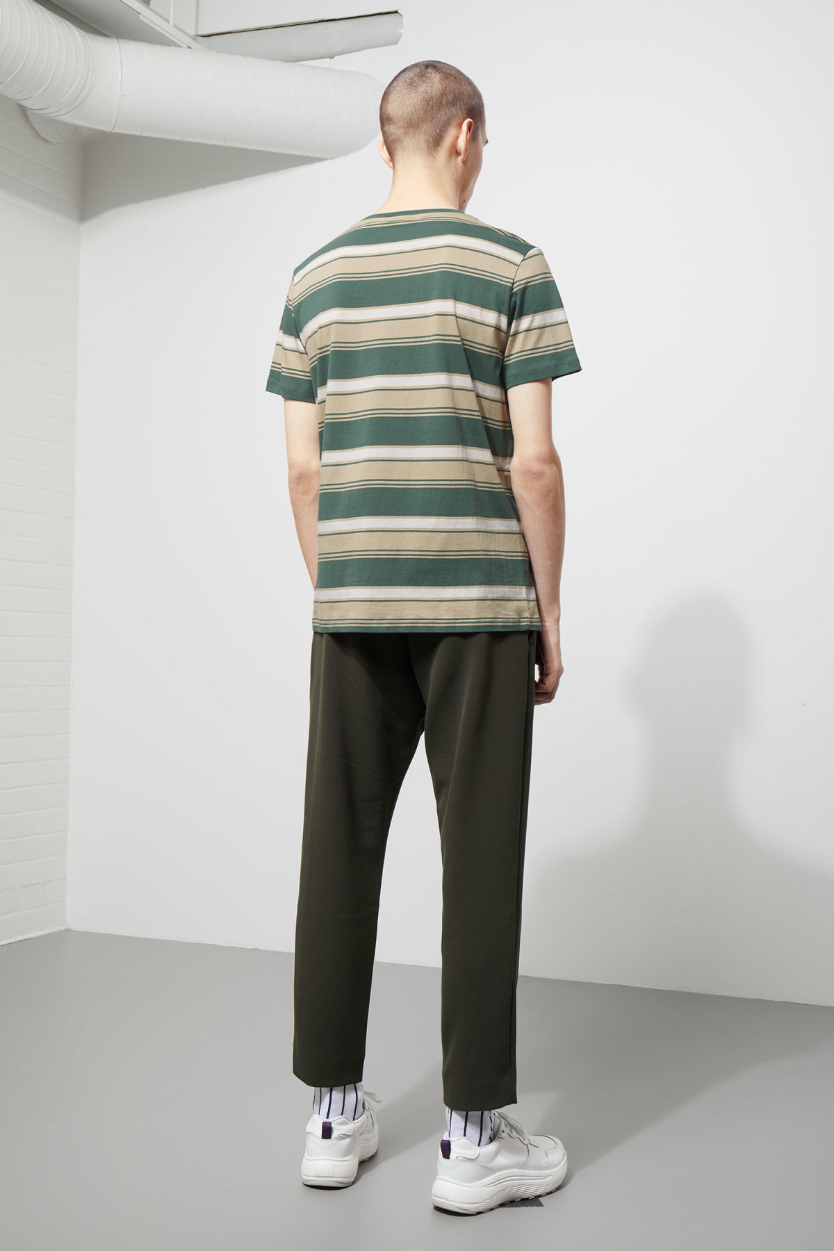 Model back image of Weekday home stripe t-shirt in green