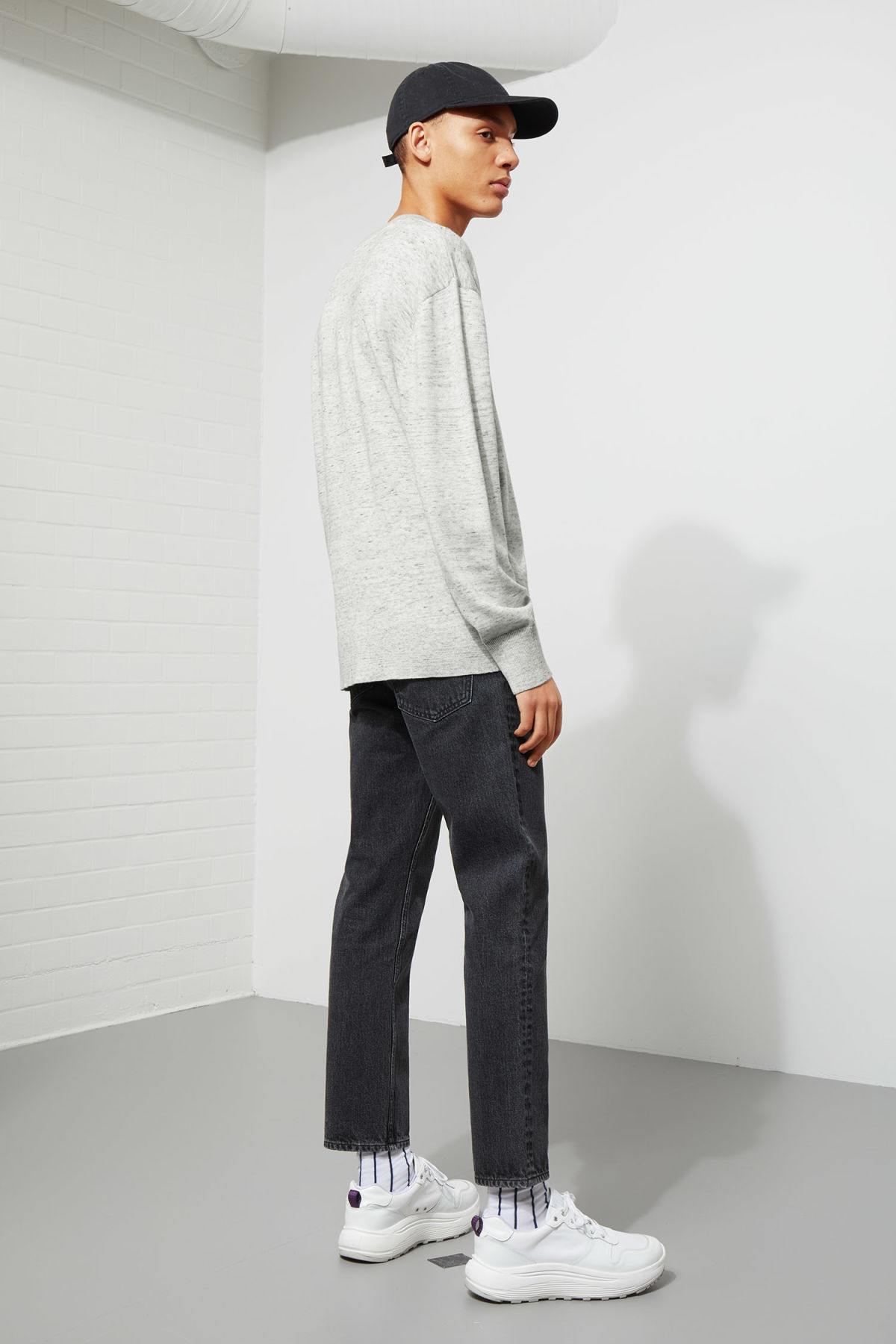 Model back image of Weekday earl cotton sweater in grey
