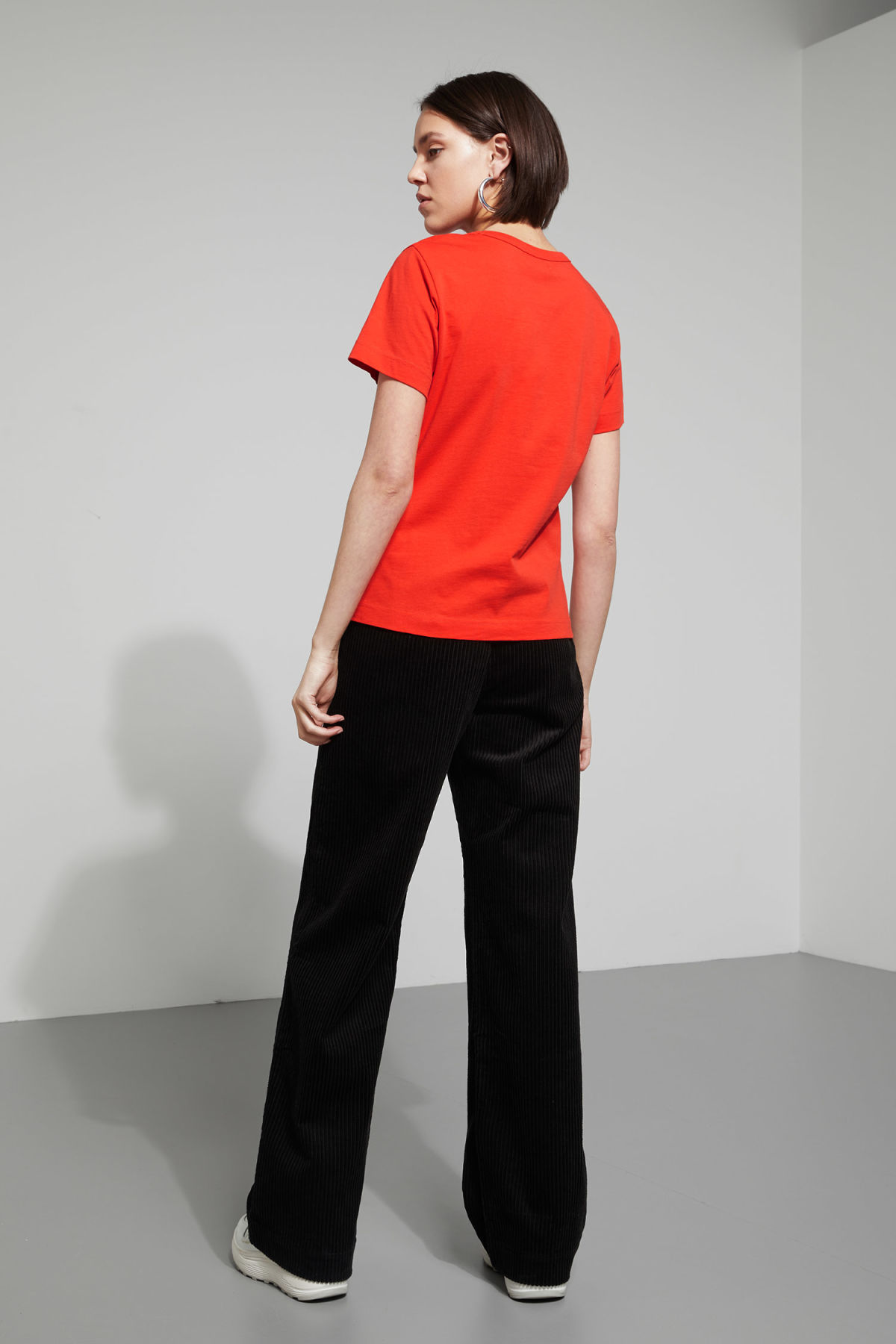 Model back image of Weekday kate t-shirt in orange