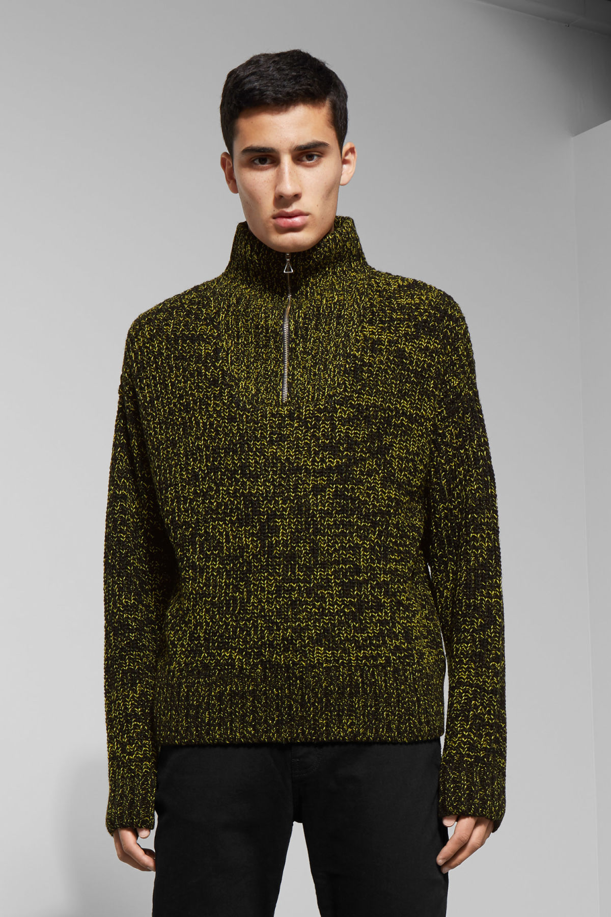 Model front image of Weekday arnold sweater in yellow