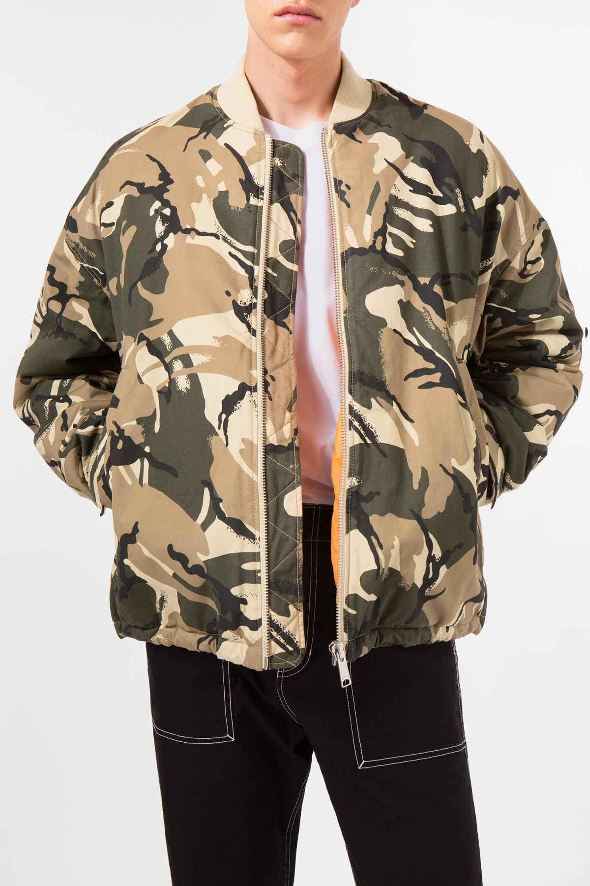 Model front image of Weekday even camo bomber in green