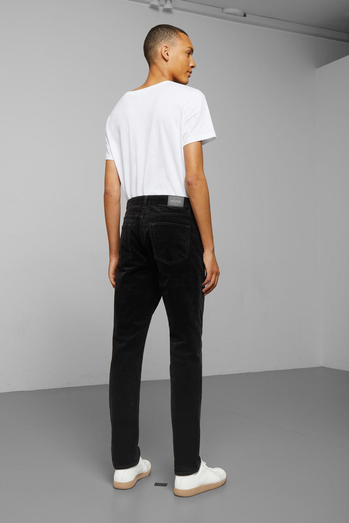 Model back image of Weekday friday corduroy in black