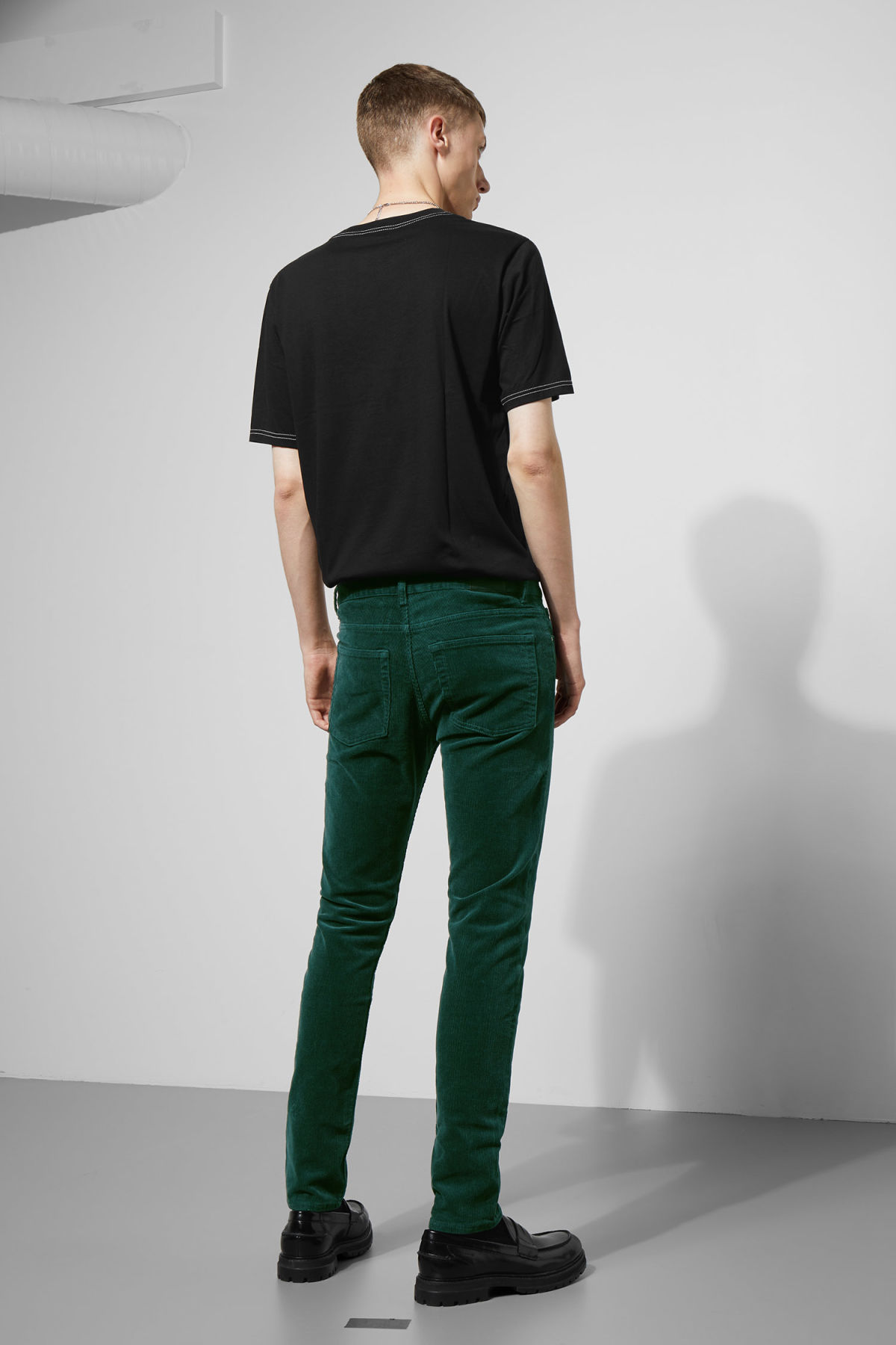 Model side image of Weekday friday corduroy in green