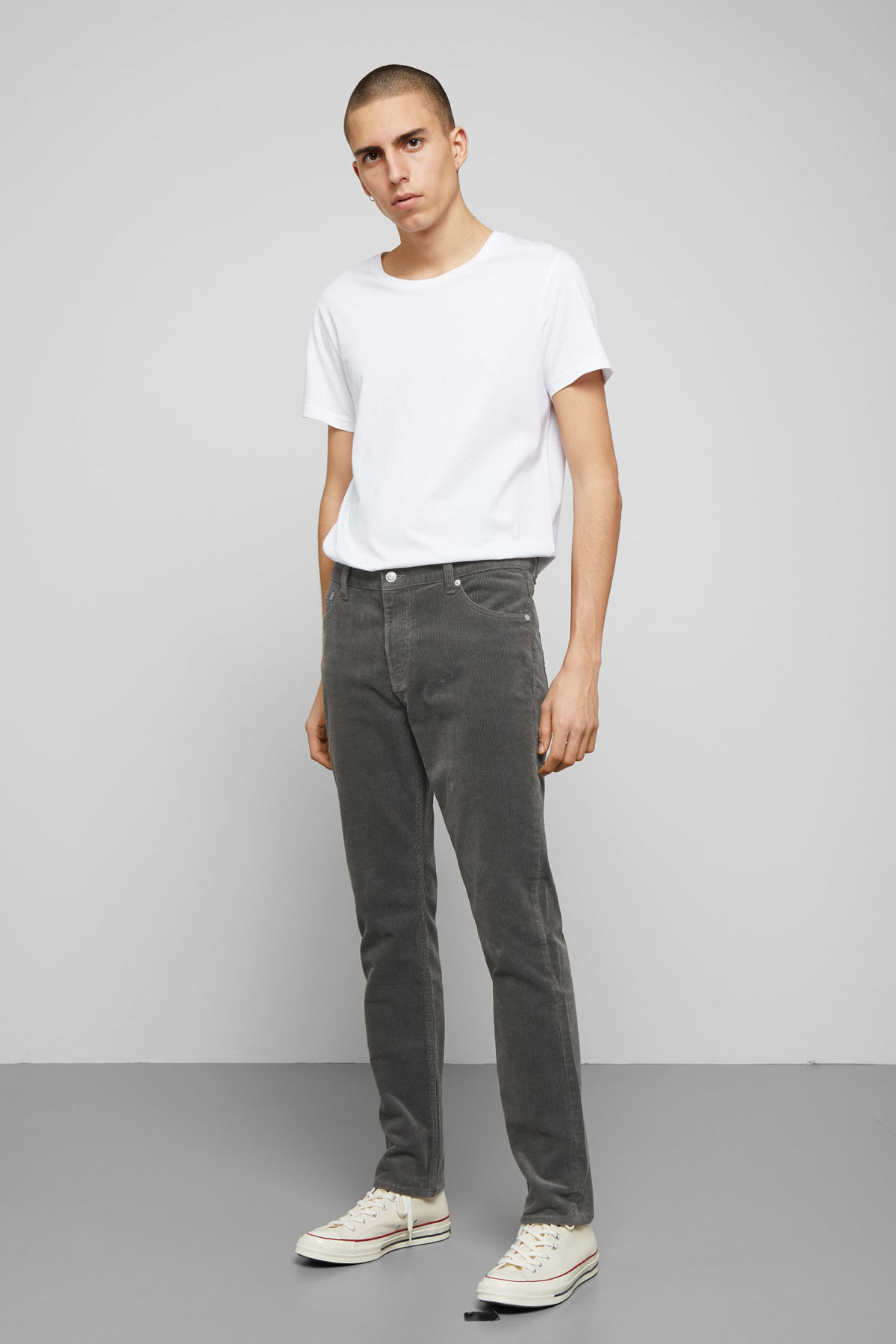 Model front image of Weekday friday corduroy in grey